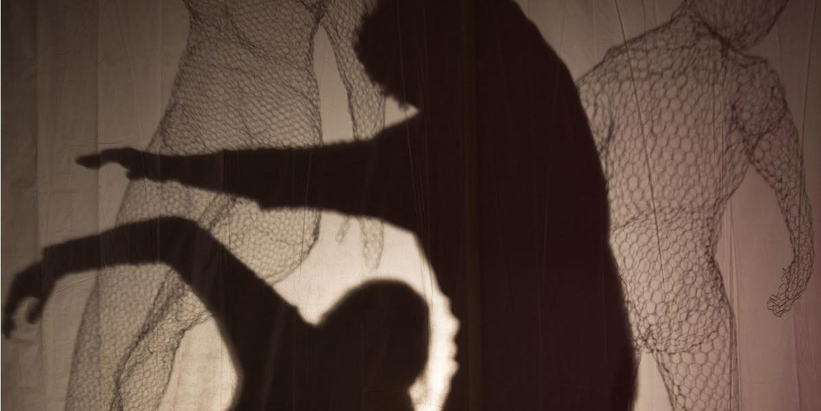 Kuntz-and-Company-Francie-Allen-No-Touch-Allowed-Lights-and-Shadows-Jaynie-Hancock-Dance-Theatre-Sculpture-Ella-Mahler-Angela-Kiser-2.jpg