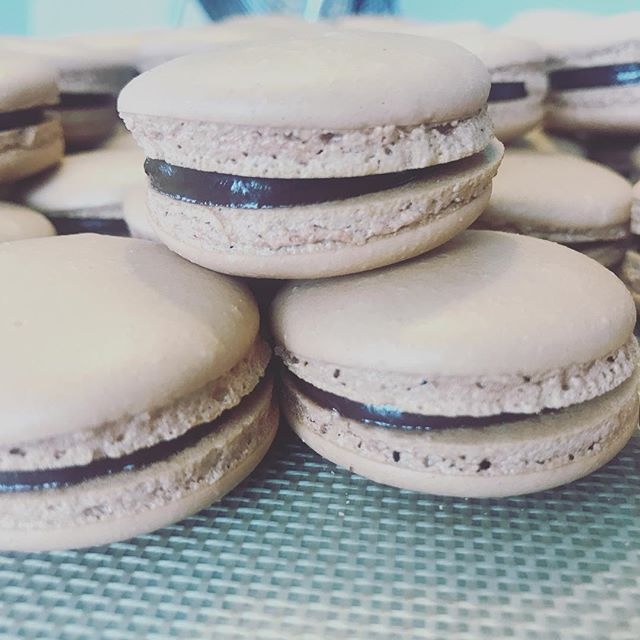 Chocolate heaven. #macarons