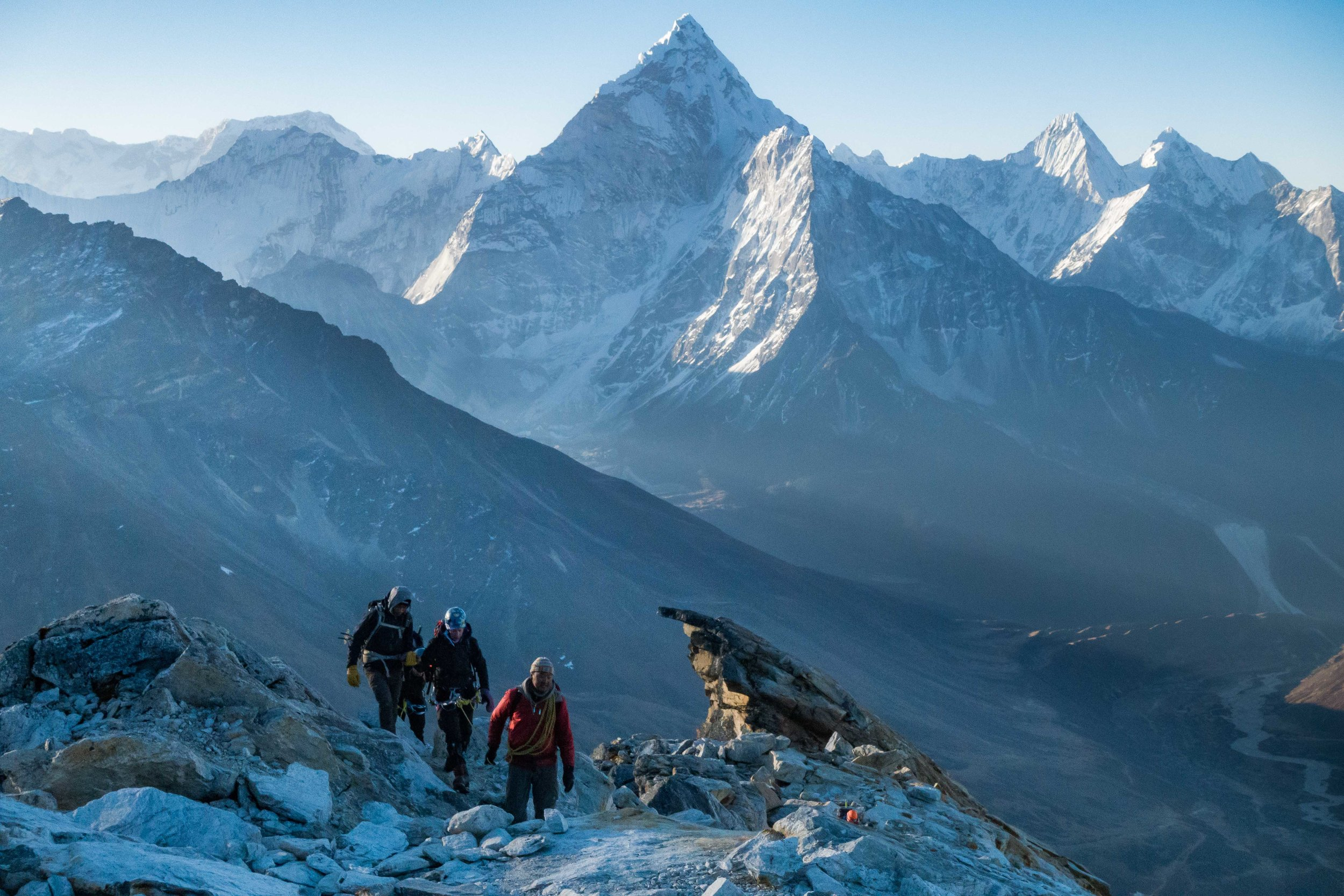 Walking the ridge to crampon point on Lobuche