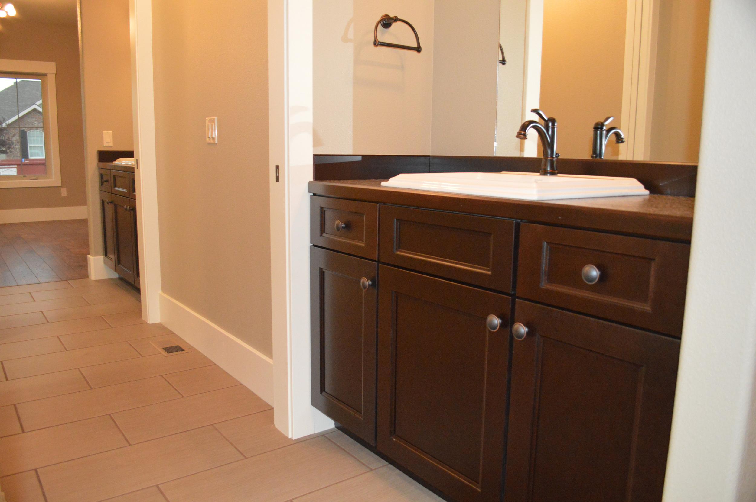 custom_bathroom.jpg