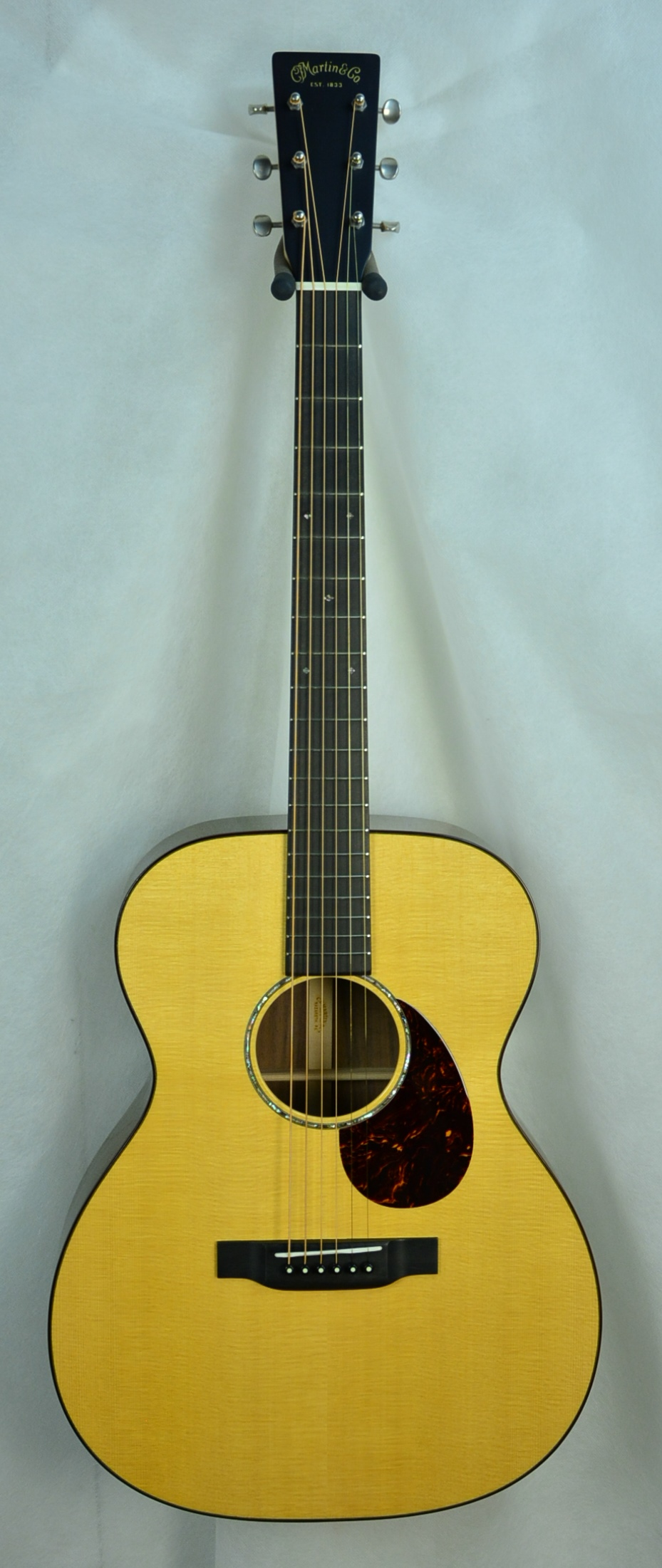 Q-2648024 S-1928826 OM Black Walnut- Maple Neck (1).JPG