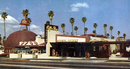 The Hollywood Brown Derby in 1952