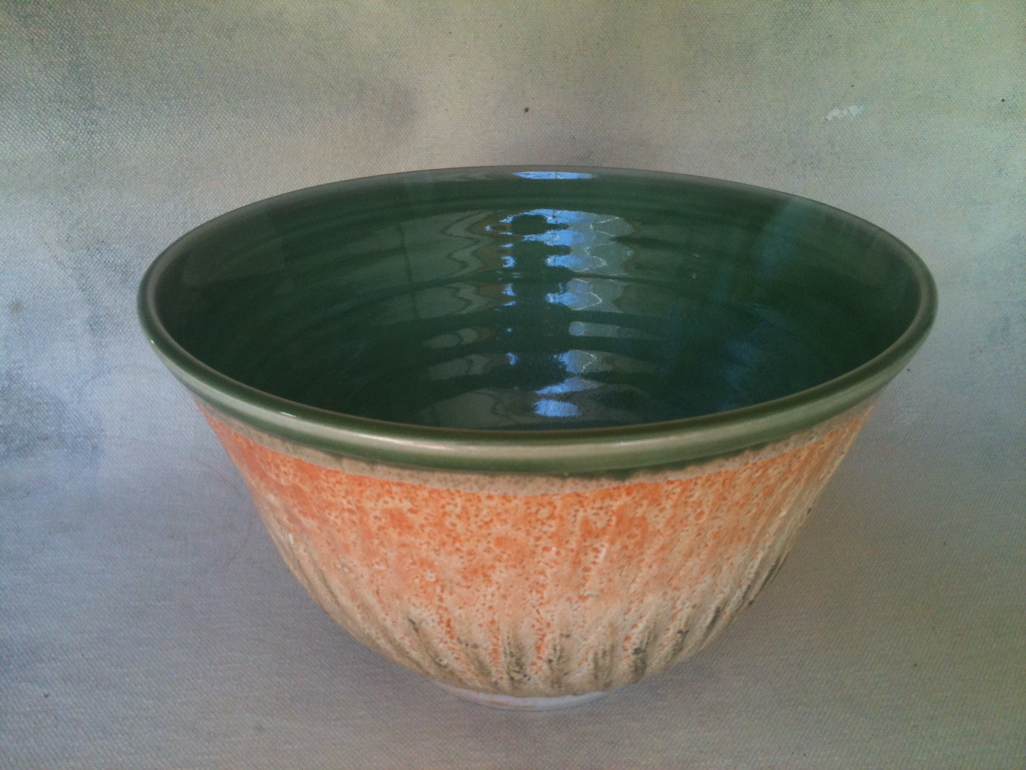 Large chattered bowl