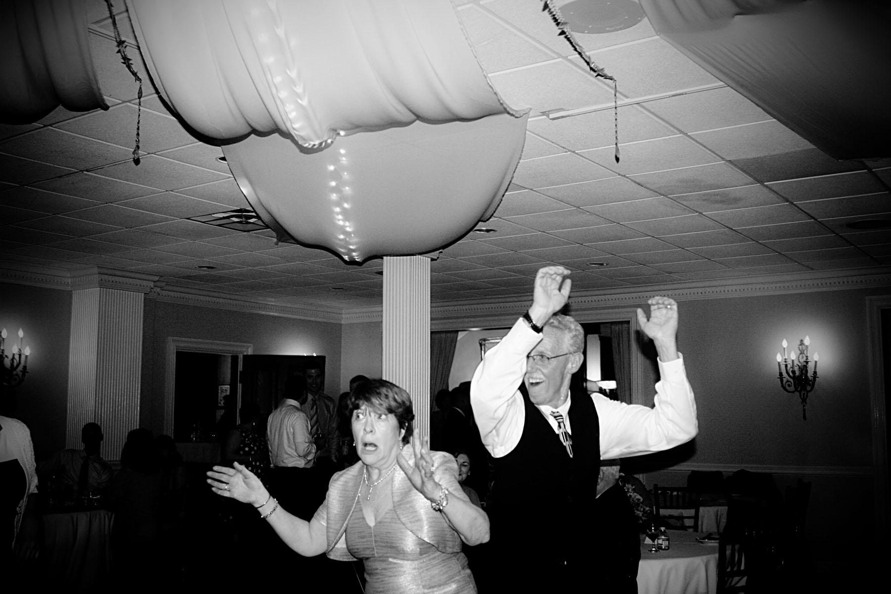 lenny_guest_dancing_bw_4.jpg