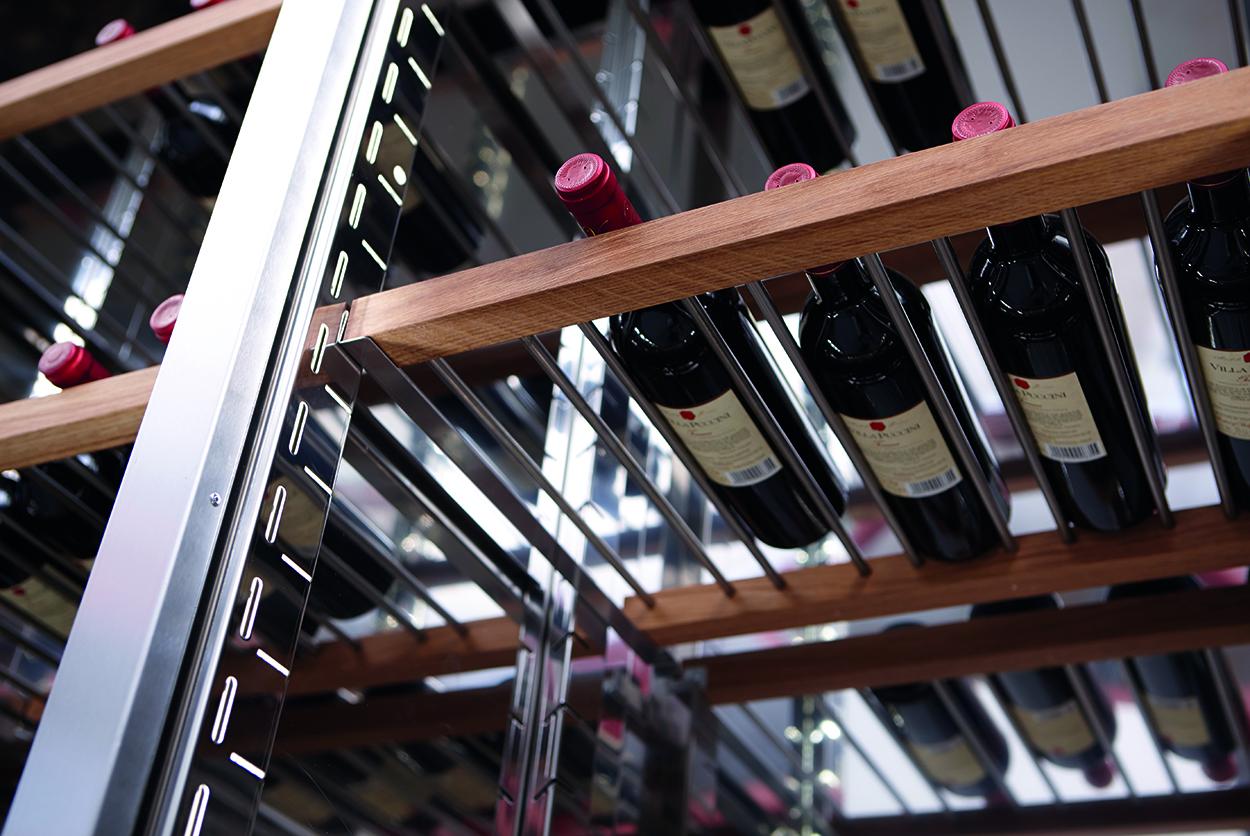 Ekhylla för liggande flaskor