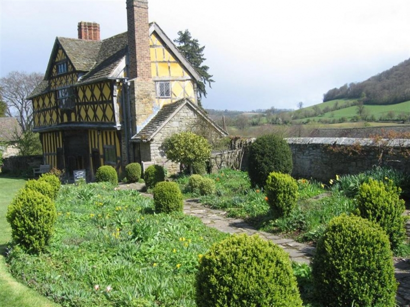 Stokesay Hall is one of our many possible painting locations