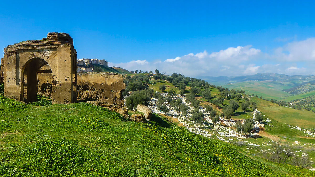 Set in a backdrop of mountains and olive groves, the city is surrounded with beautiful landscapes