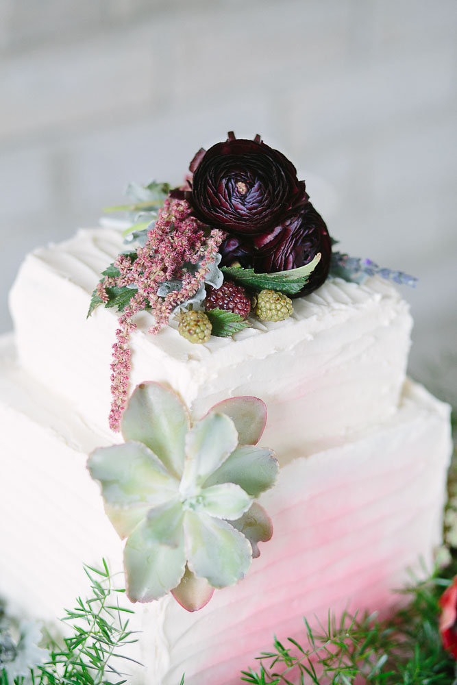 Boho_City_Elopement_Cake_2.jpg
