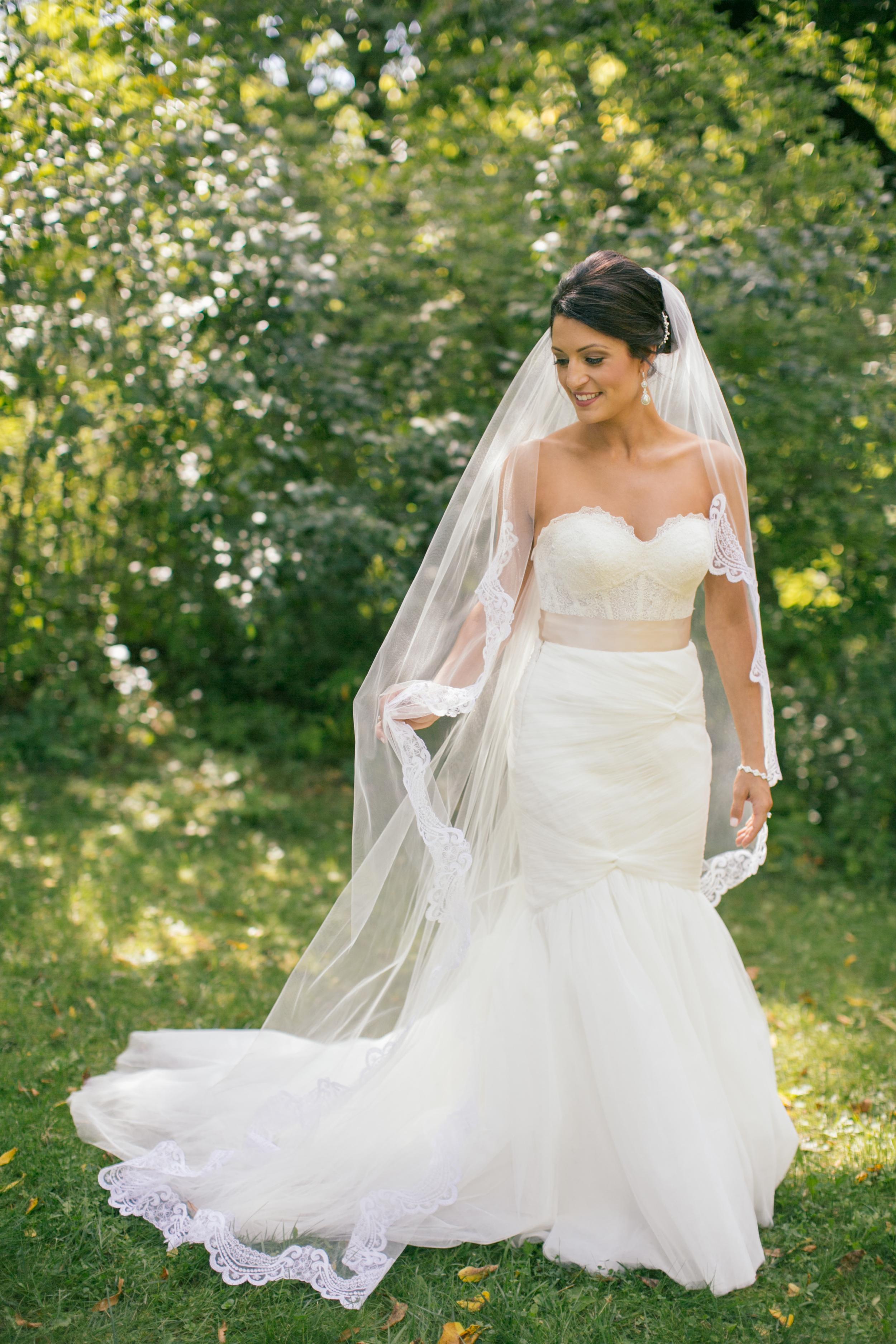 Ashley+Aaron_Acowsay_Cinema_Milwaukee_Wisconsin_Wedding_Bride_3.jpg