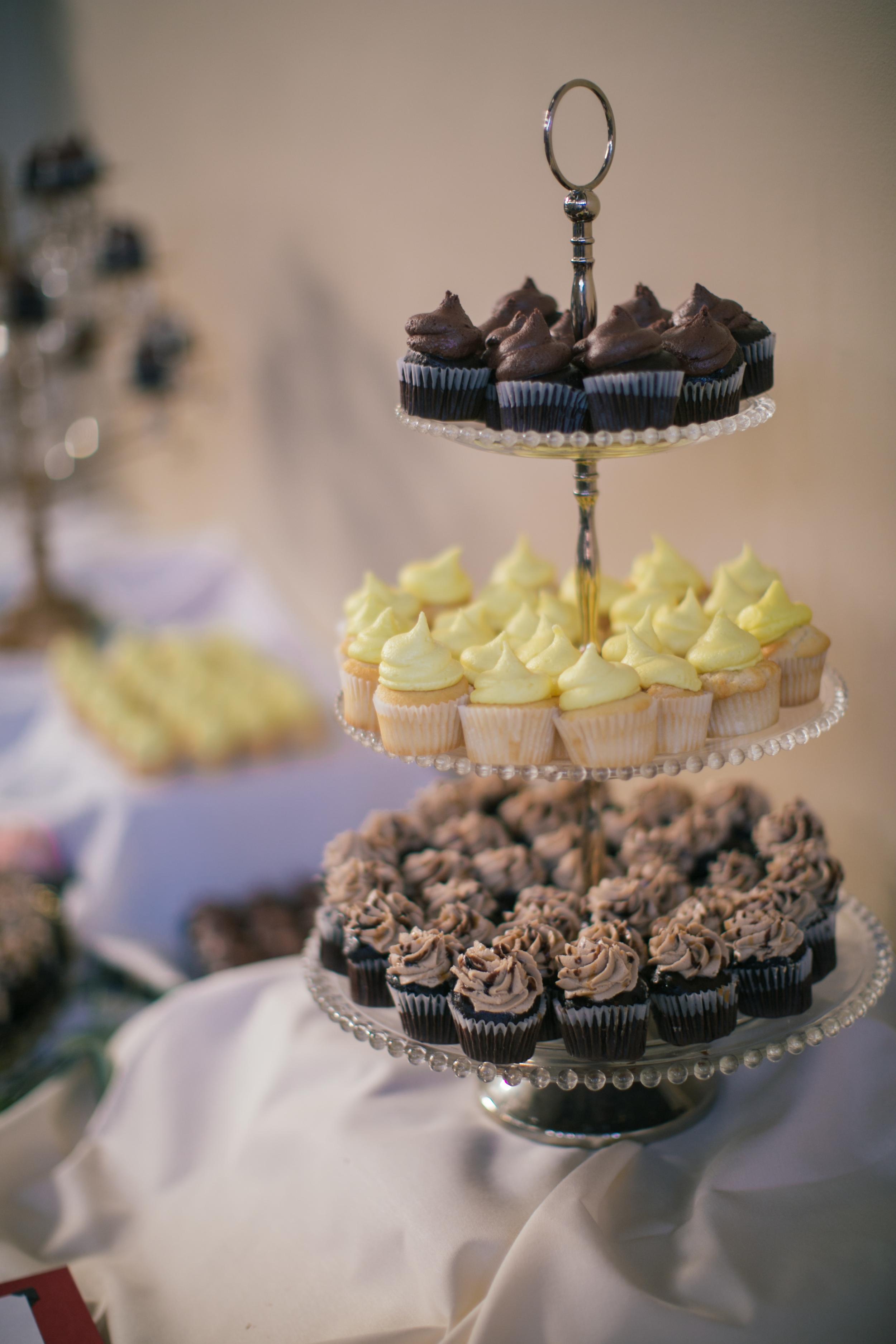 Ashley+Aaron_Acowsay_Cinema_Milwaukee_Wisconsin_Wedding_Cupcakes.jpg