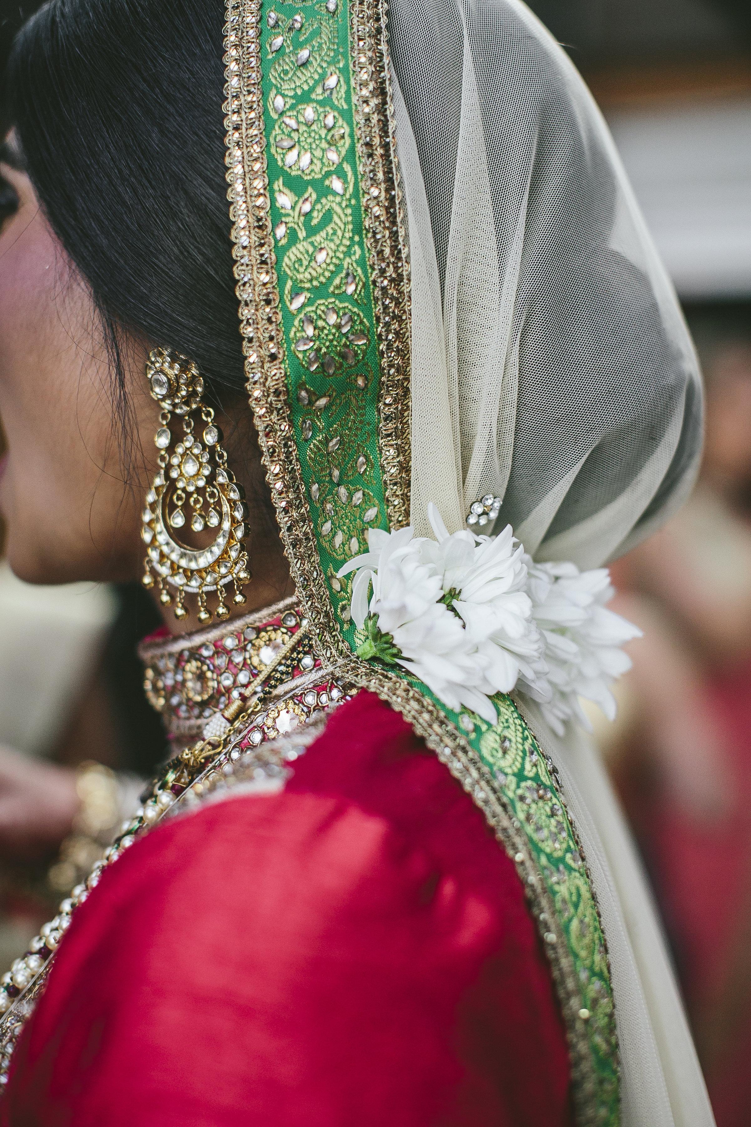 Acowsay_Minnesota_Wedding_Video_Bride_Details.JPG