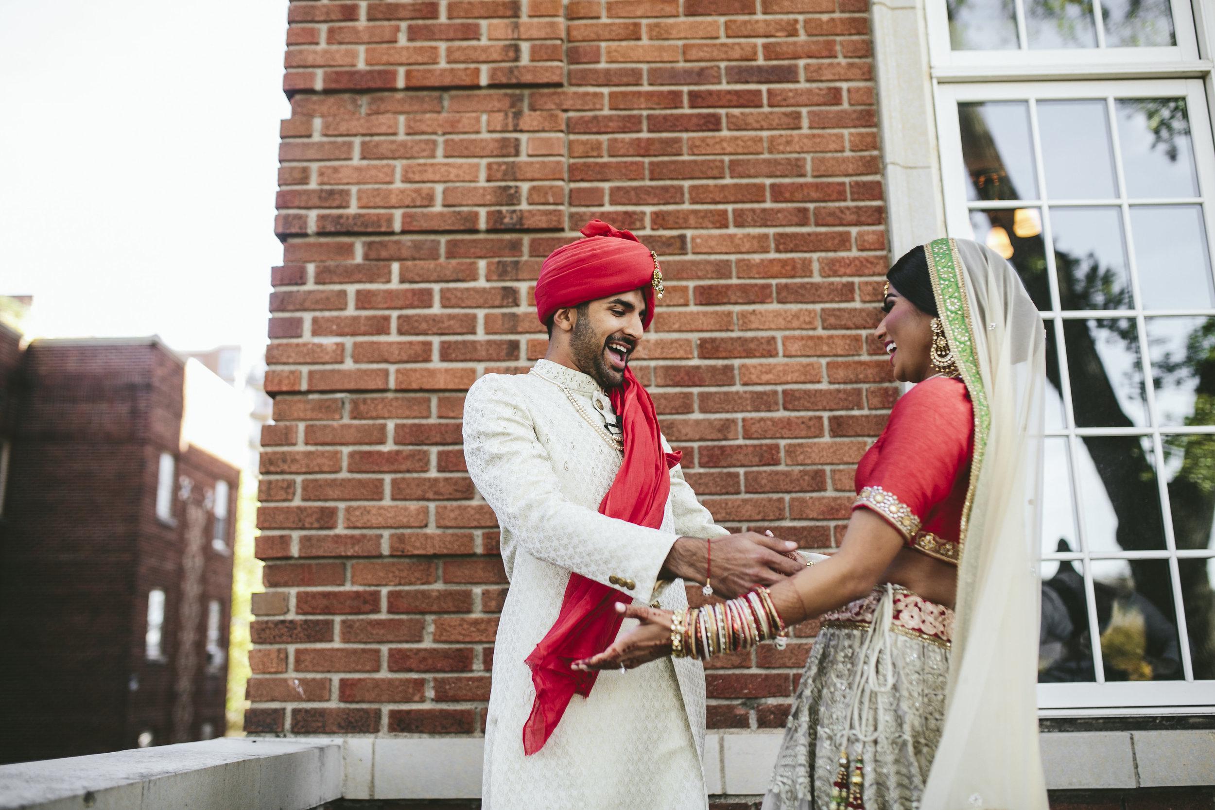 Acowsay_Minnesota_Wedding_Video_First_Look.JPG