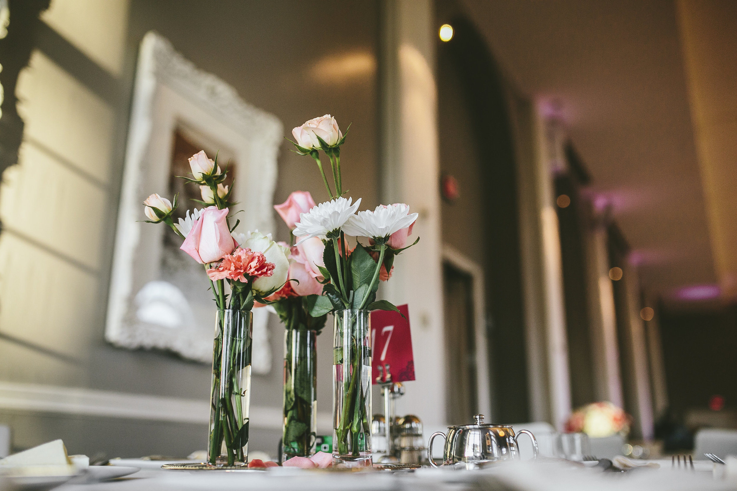 Acowsay_Minnesota_Wedding_Video_Flowers.JPG