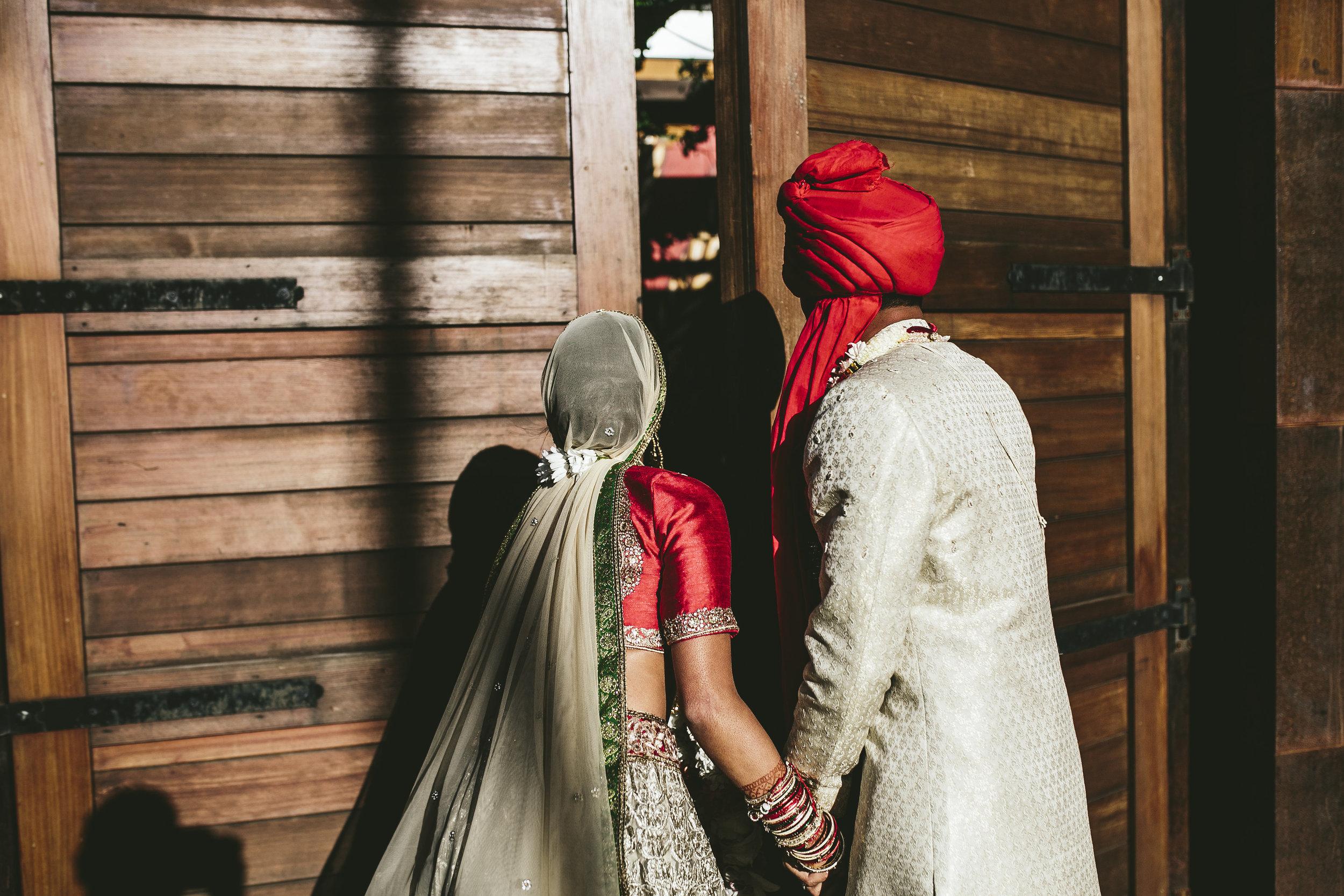Acowsay_Minnesota_Wedding_Video_Holding_Hands.JPG