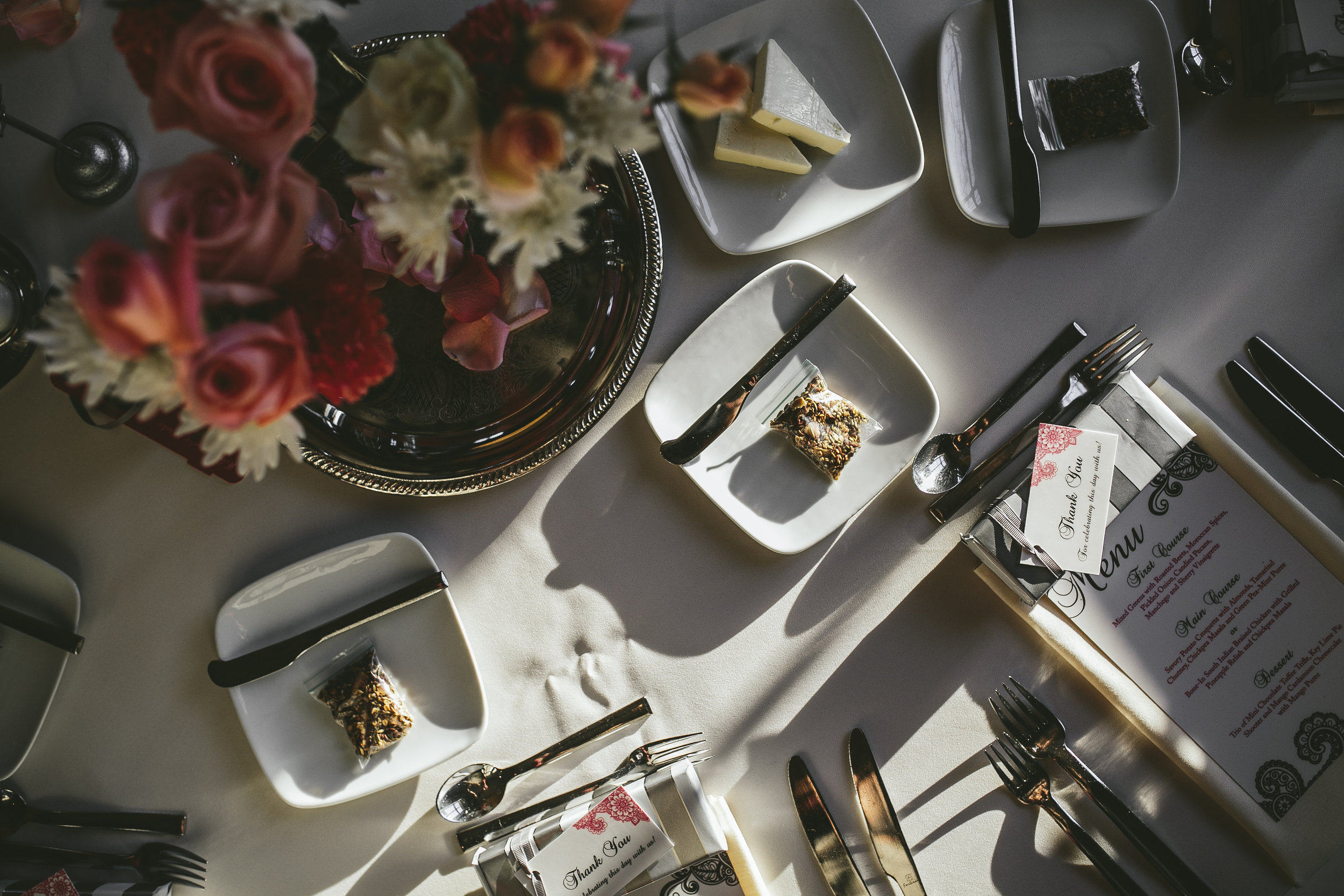 Acowsay_Minnesota_Wedding_Video_Tablescape.JPG