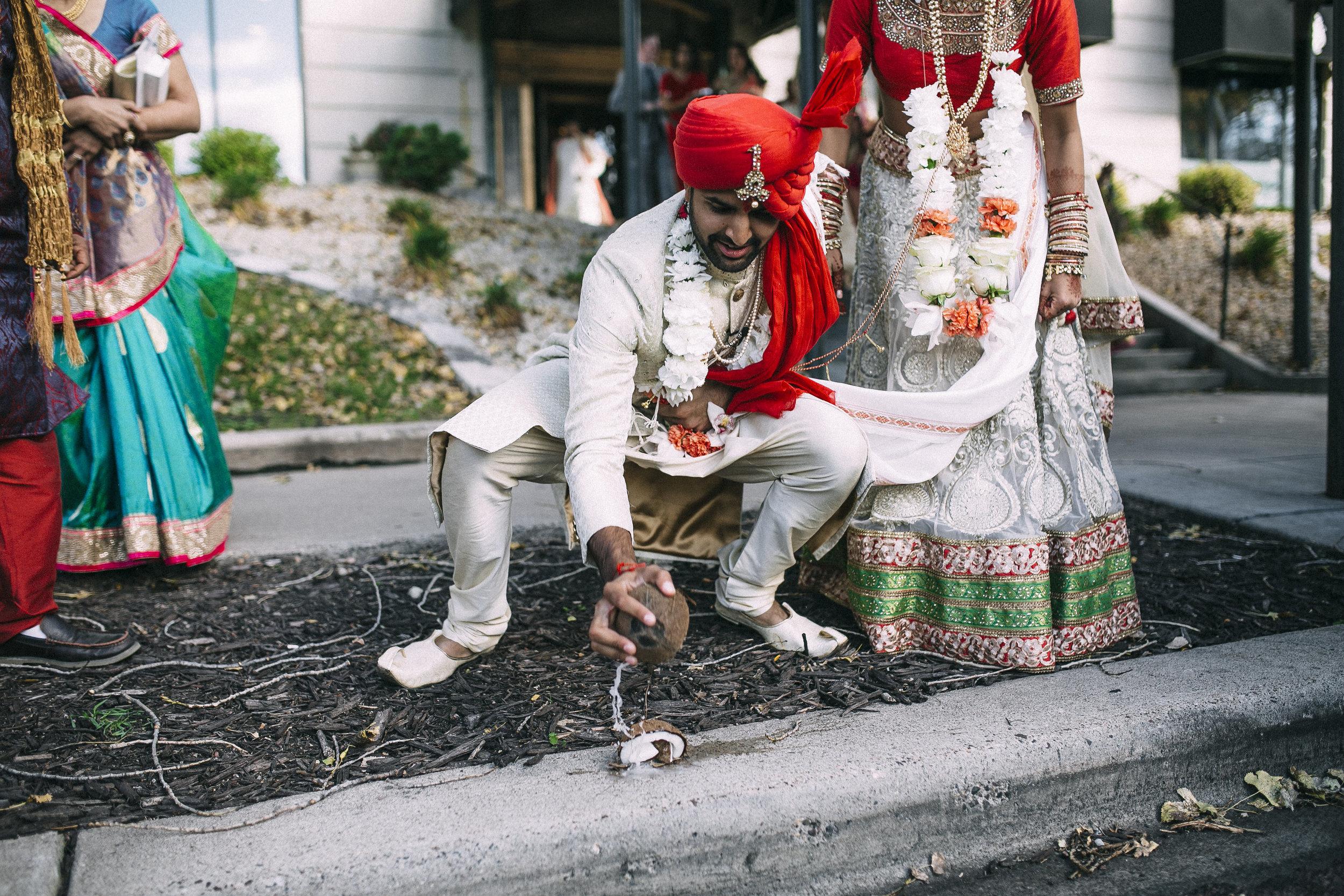 Acowsay_Minnesota_Wedding_Video_Tradition.JPG