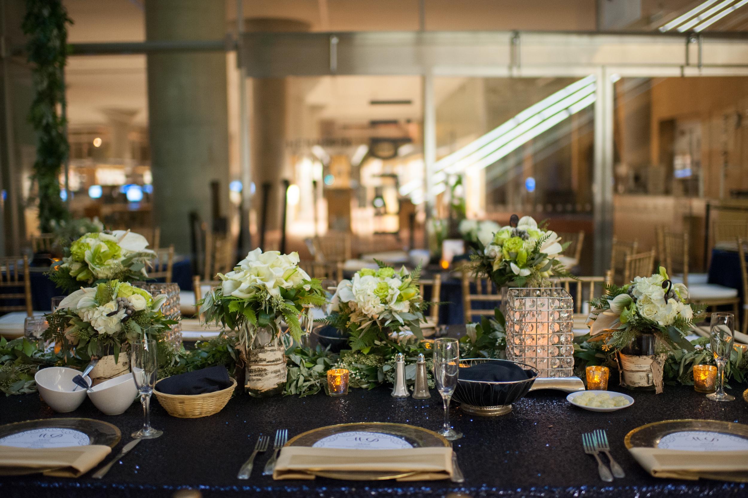 Acowsay_Cinema_MN_Wedding_Florals.jpg