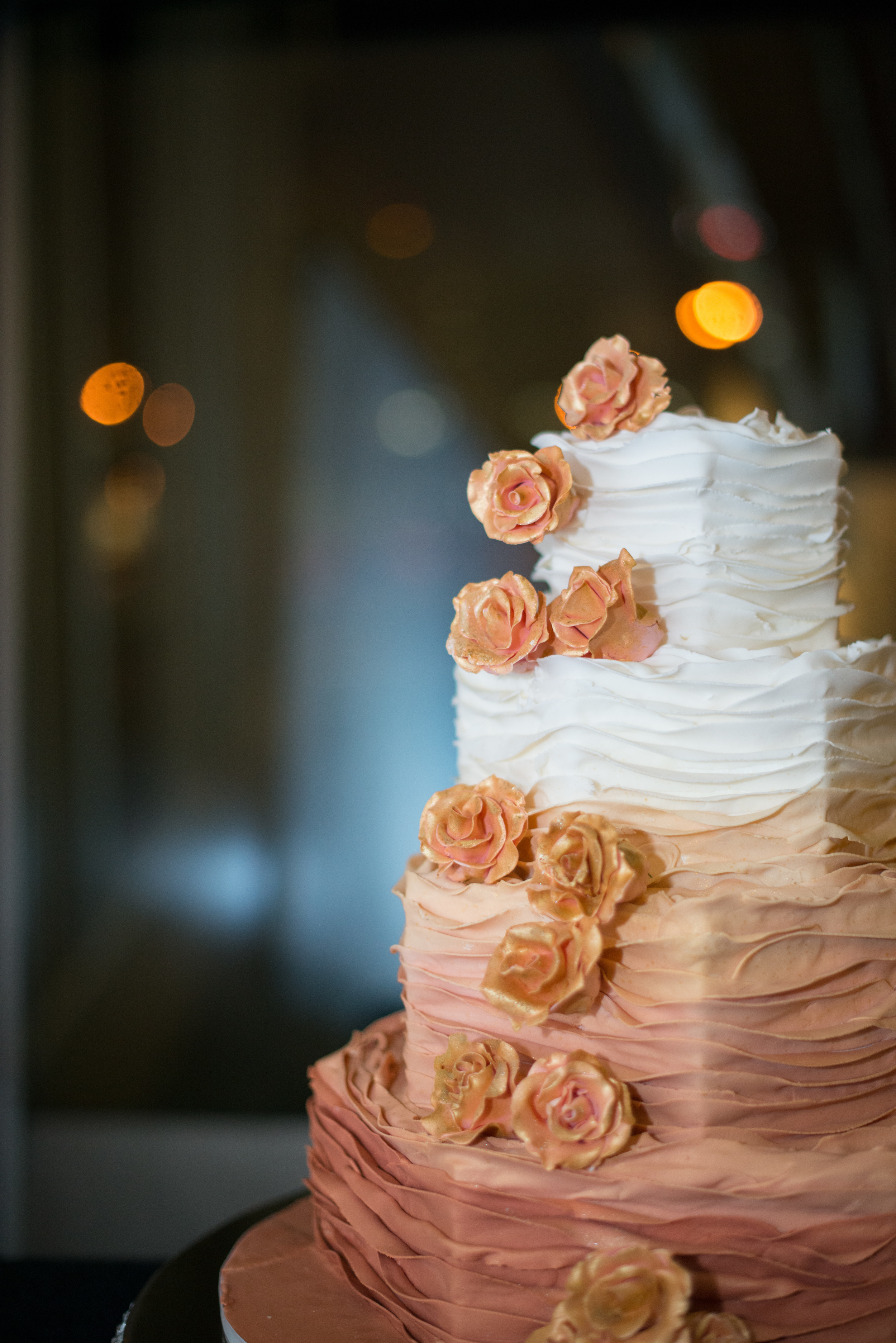 Acowsay_Cinema_MN_Wedding_Cake_2.jpg