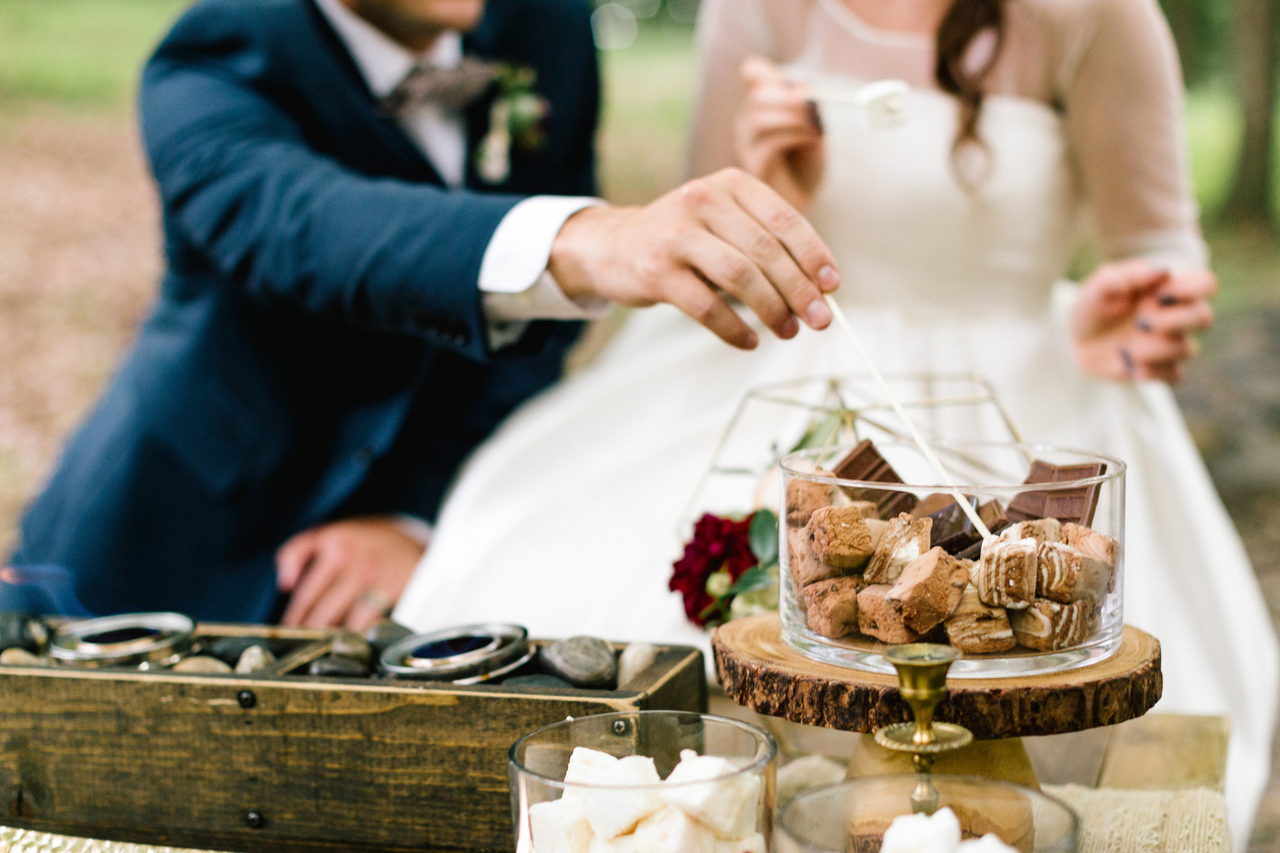 Allison_Hopperstad_Photography_Acowsay_Wedding_Smores.JPG