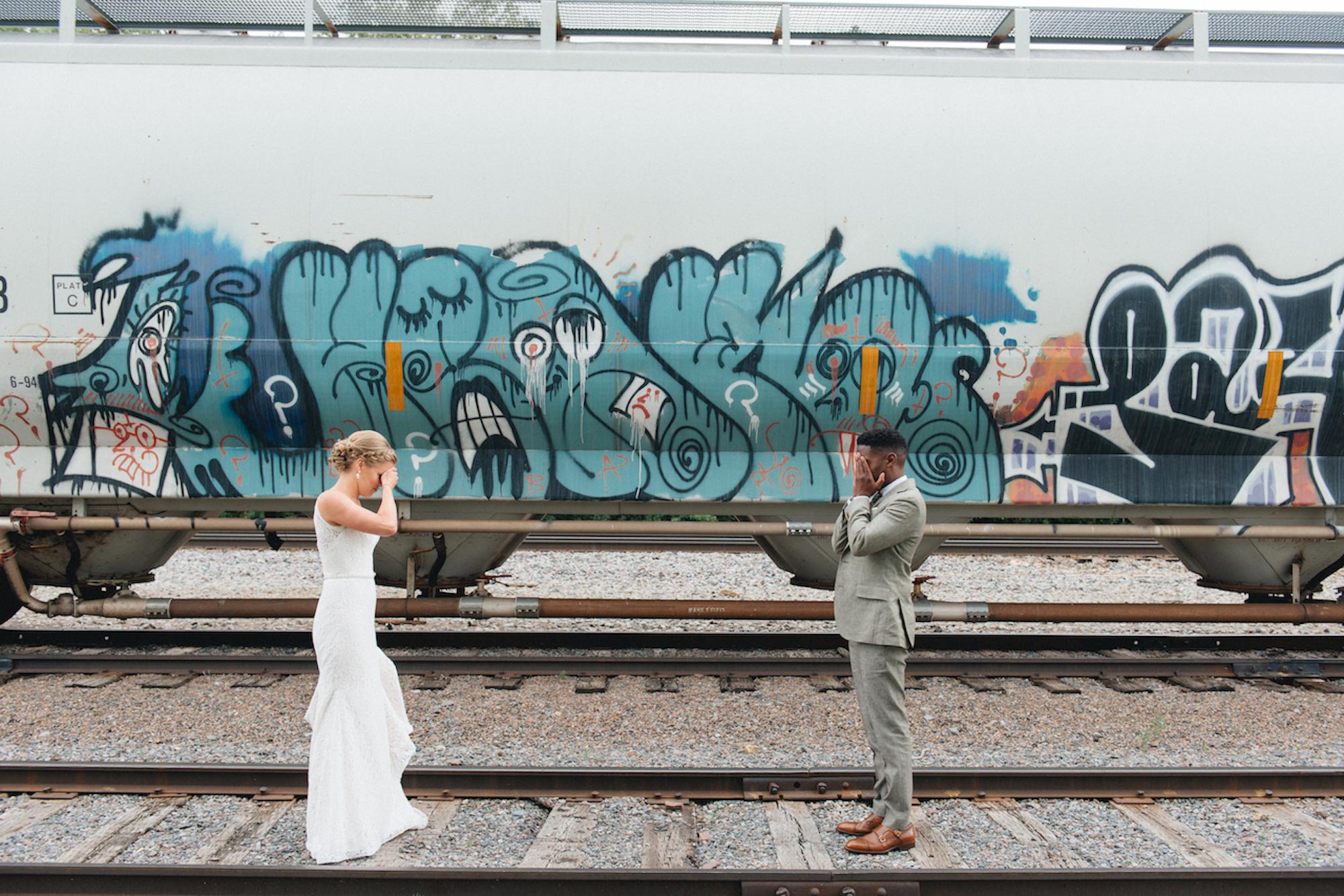 Roy_Son_Photo_Acowsay_Wedding_First_look.jpg