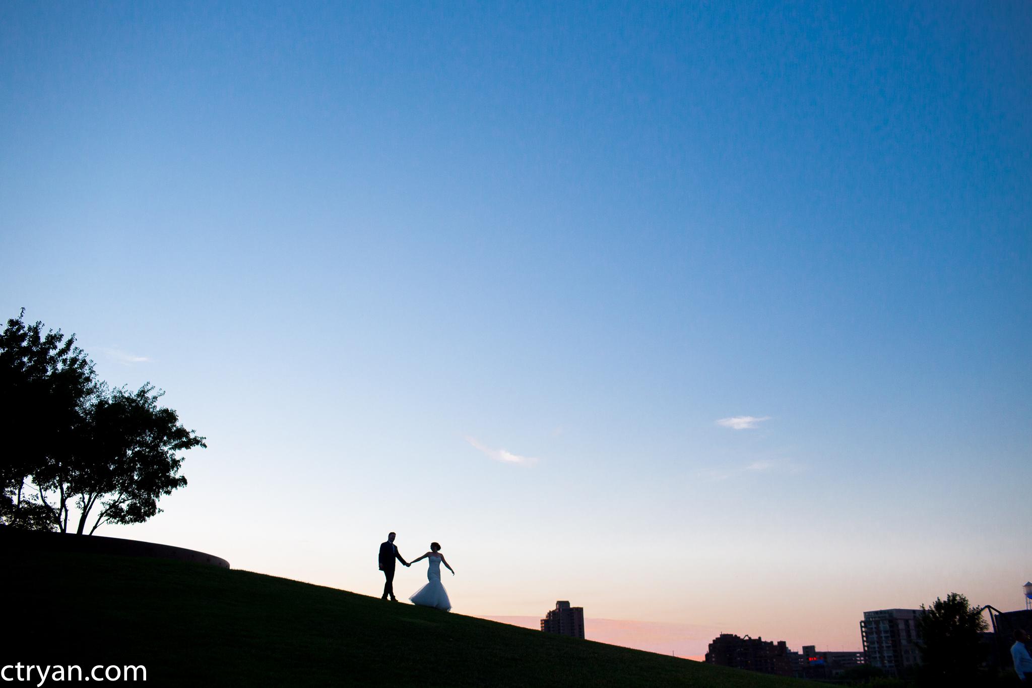 Acowsay_Minnesota_Wedding_Sunset_Walk.jpg