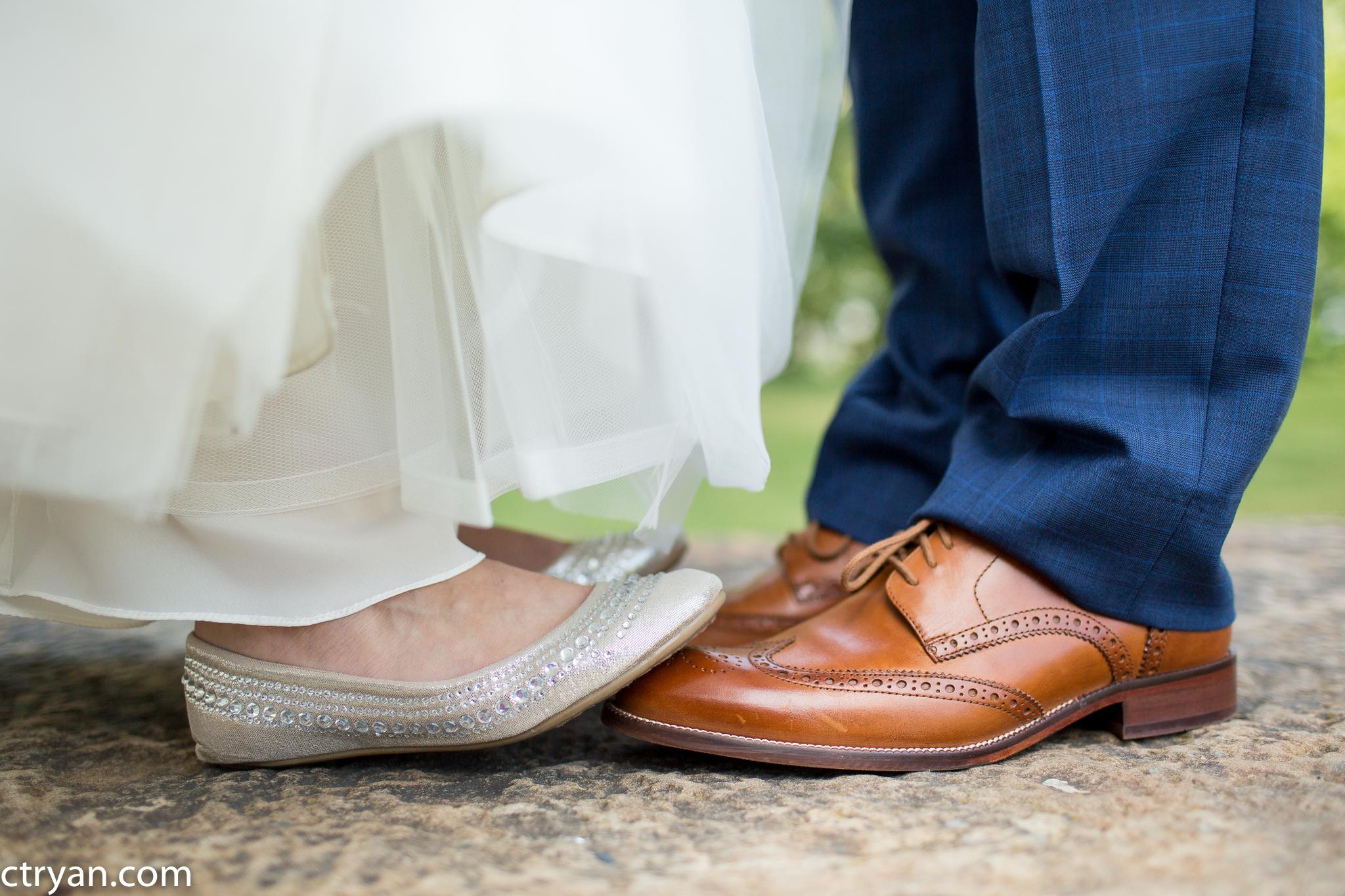 Acowsay_Minnesota_Wedding_Shoes.jpg