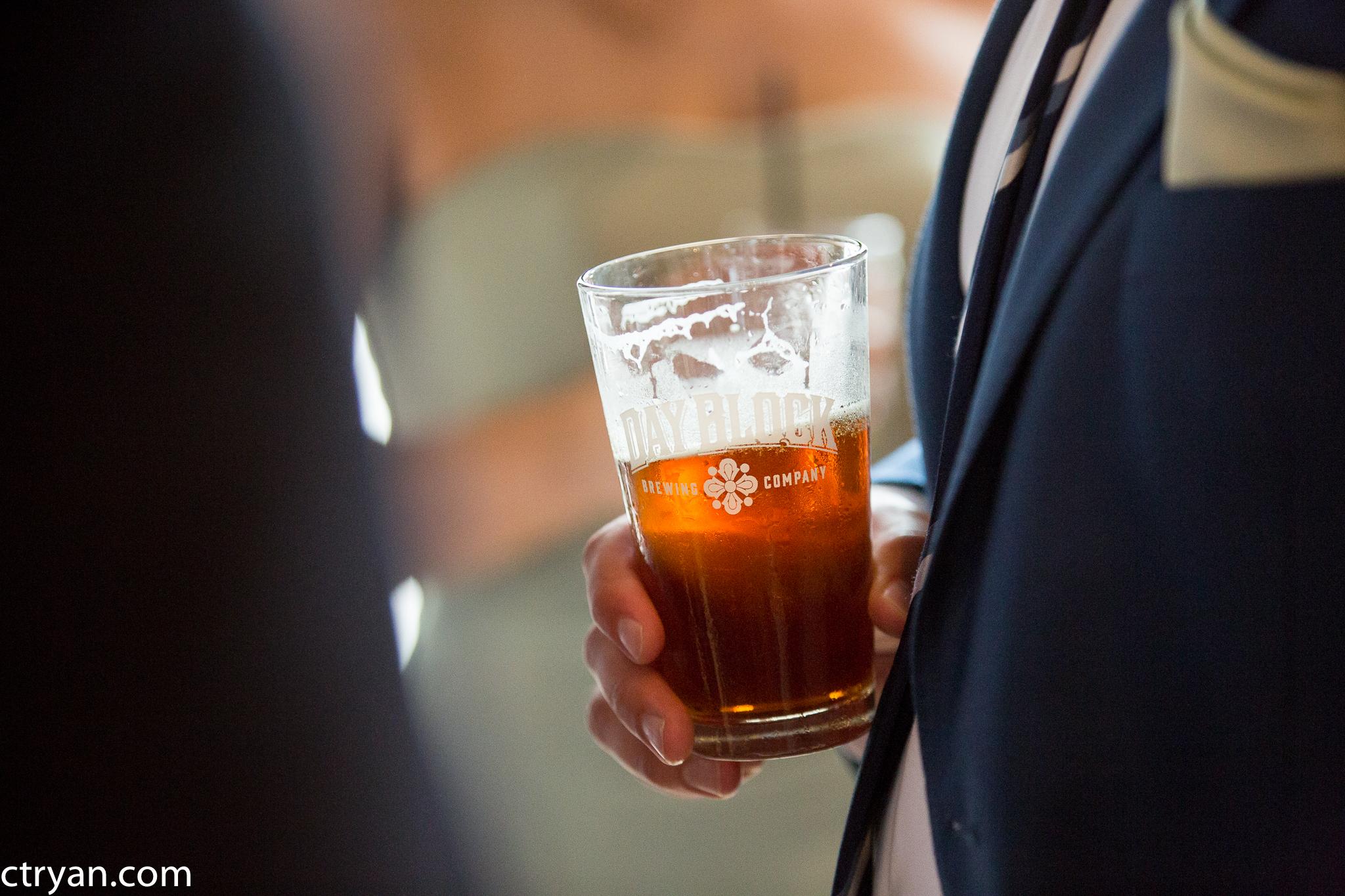 Acowsay_Minnesota_Wedding_Beer.jpg