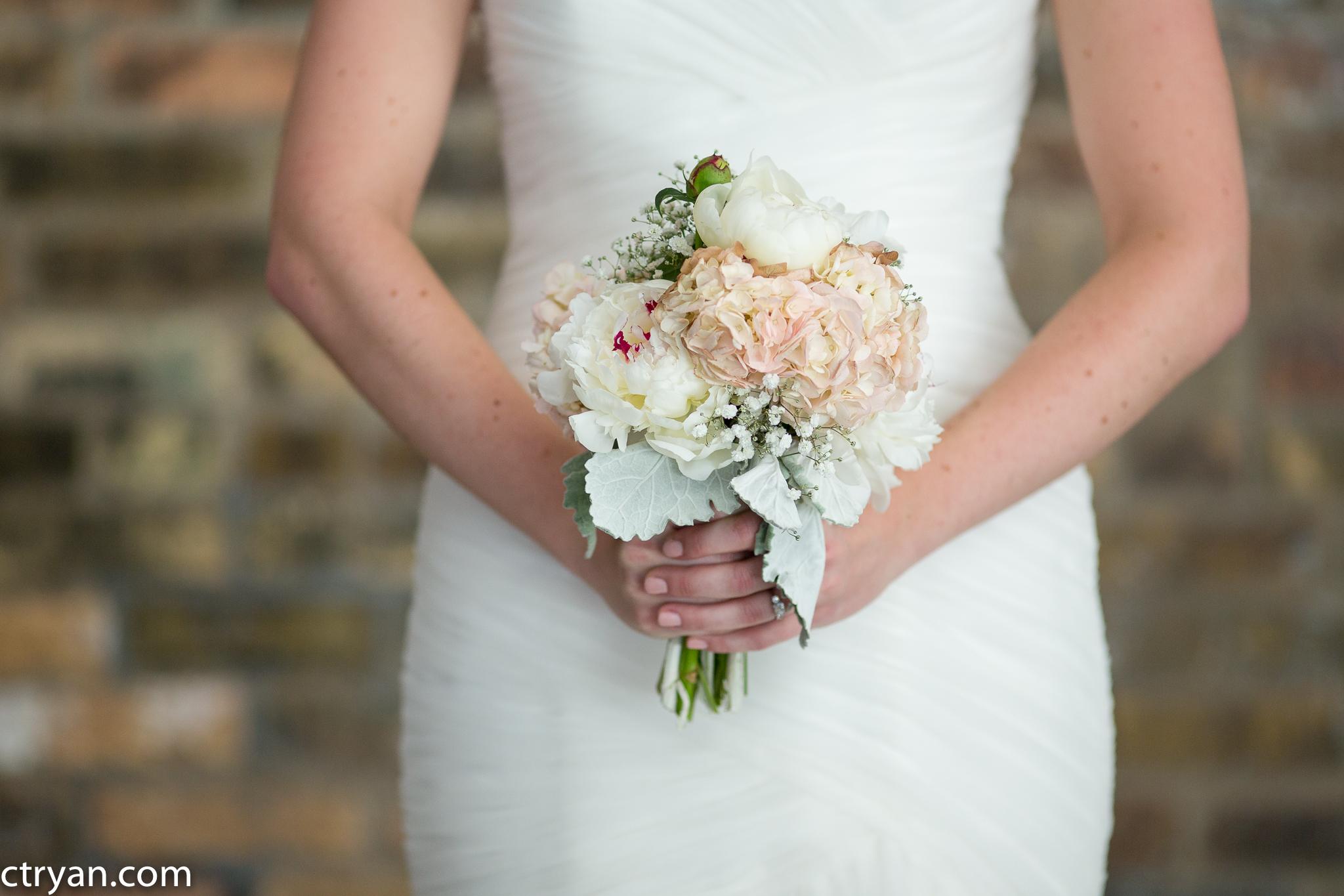Acowsay_Minnesota_Wedding_Bouquet.jpg