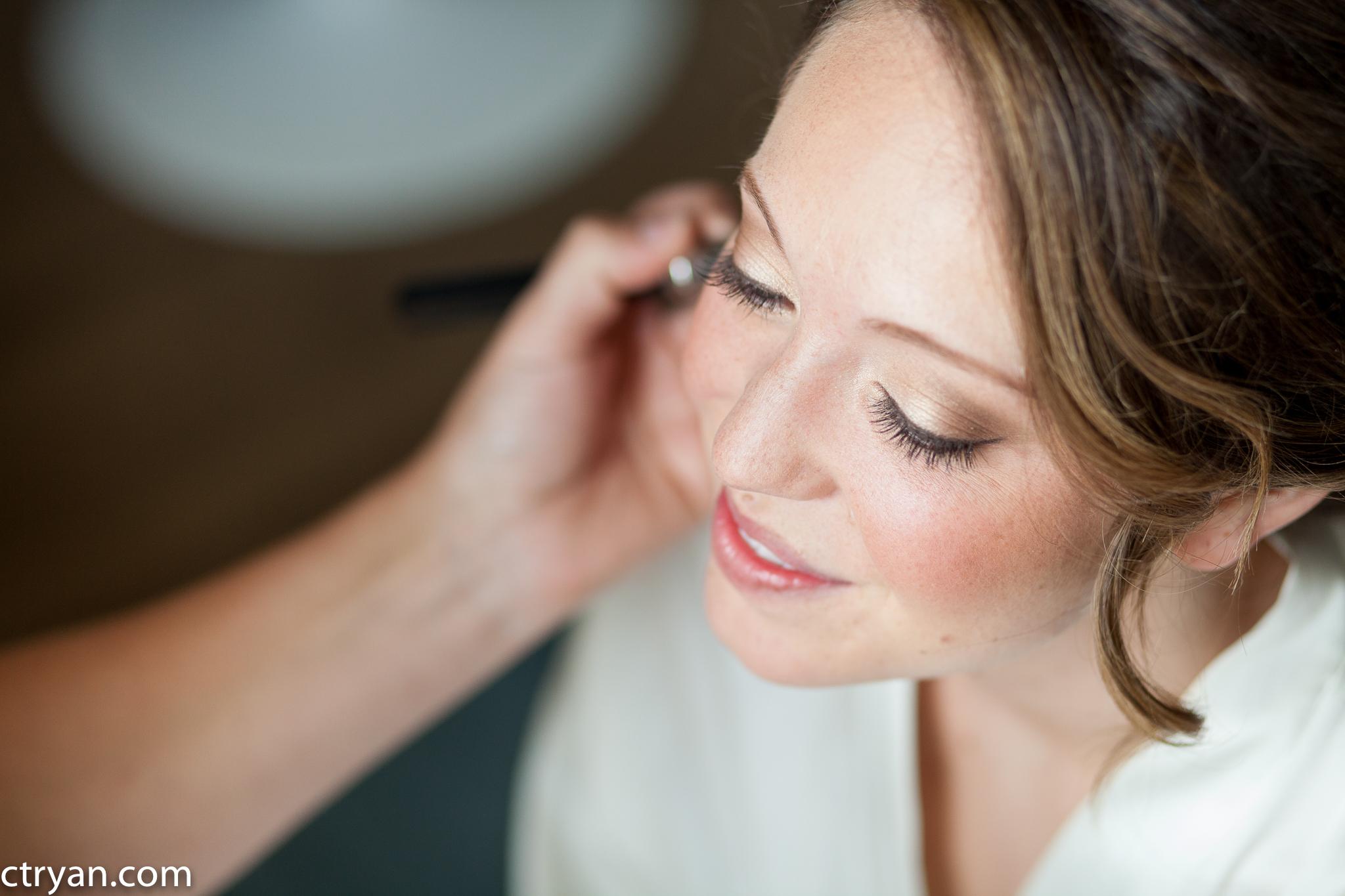 Acowsay_Minnesota_Wedding_Makeup_2.jpg