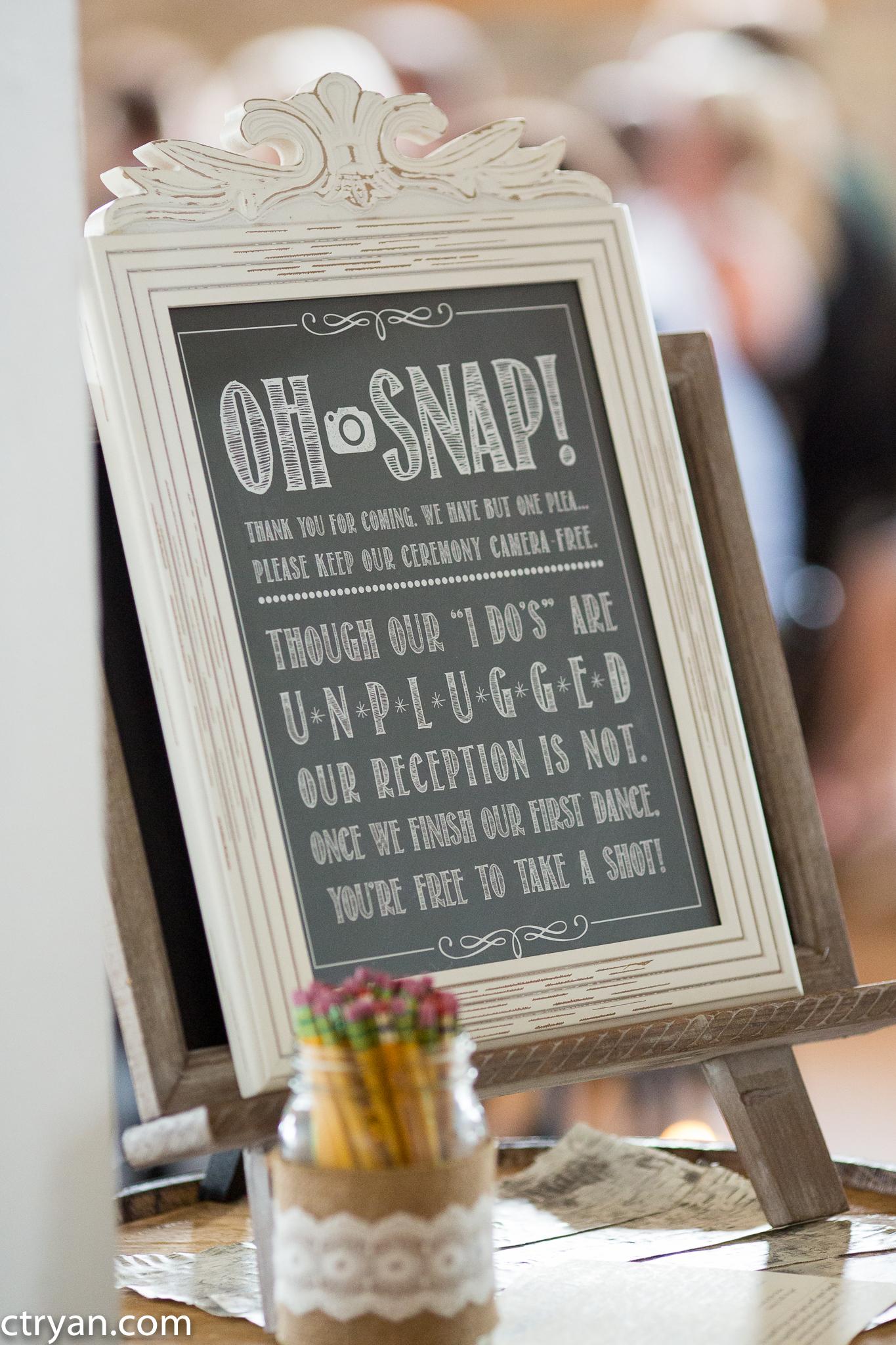 Acowsay_Minnesota_Wedding_Sign.jpg