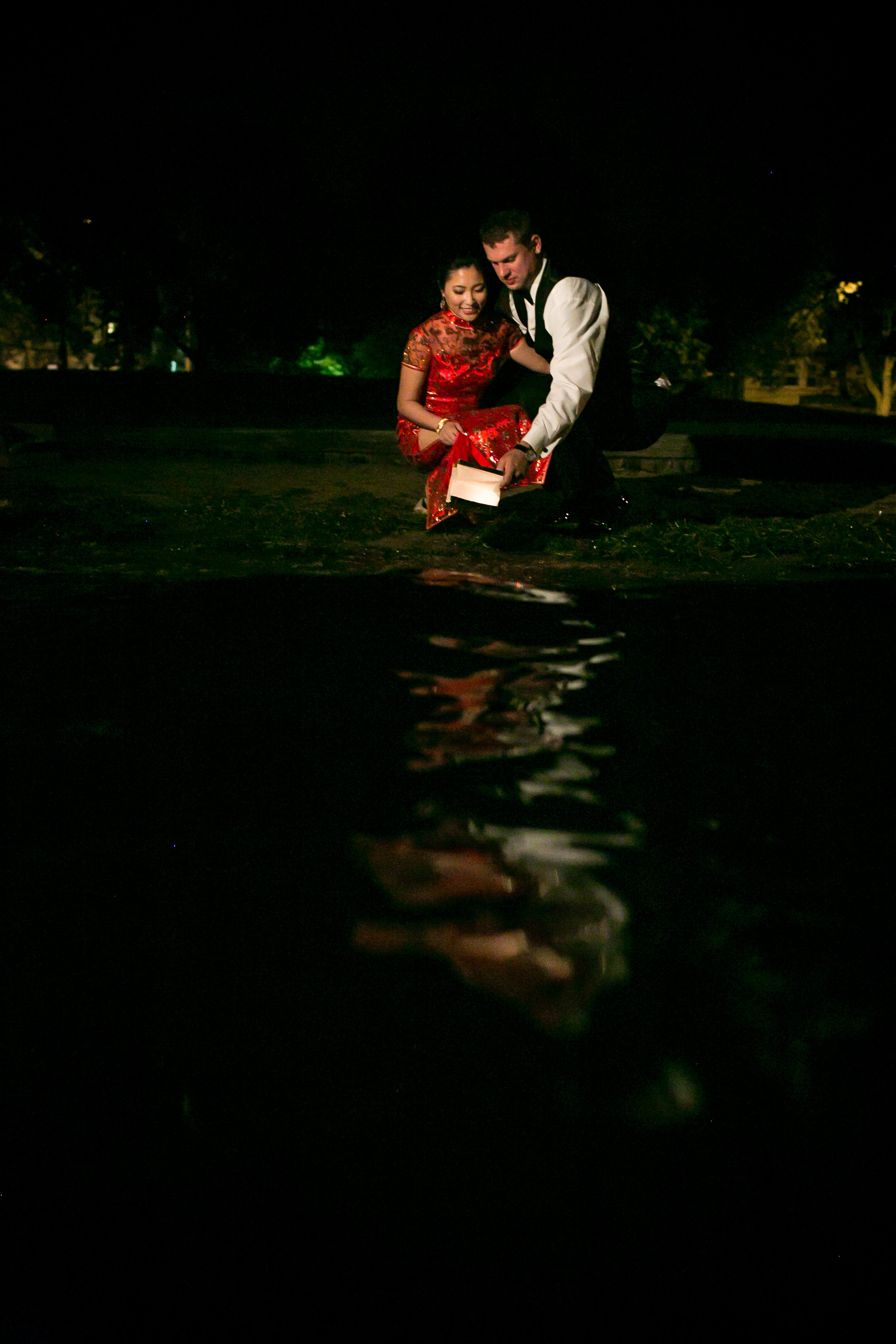 acowsay-cinema-minnesota-wedding-red-gold-blush-32.jpg