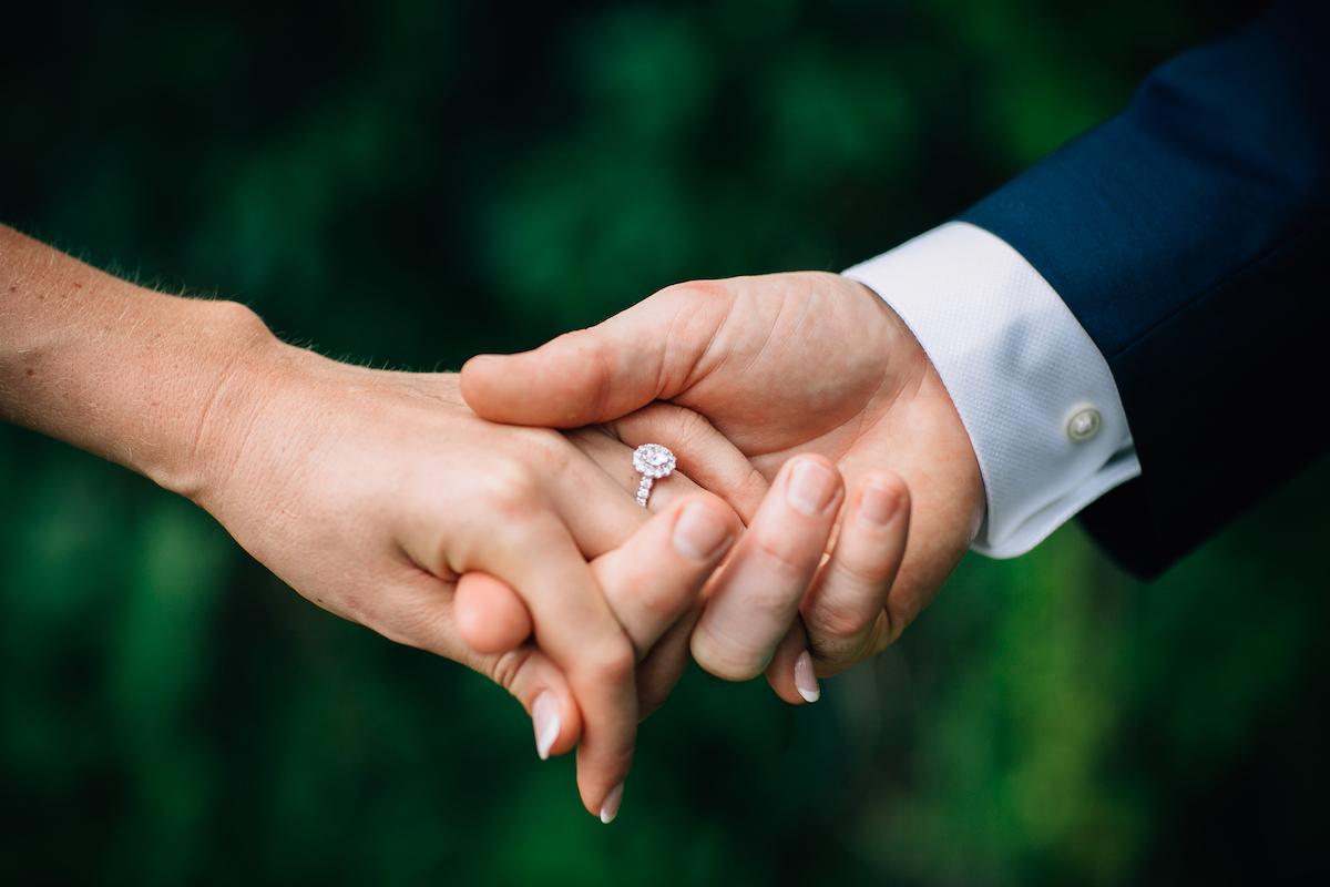 engle-olson-mark-fierst-minnesota-wedding-14.jpg