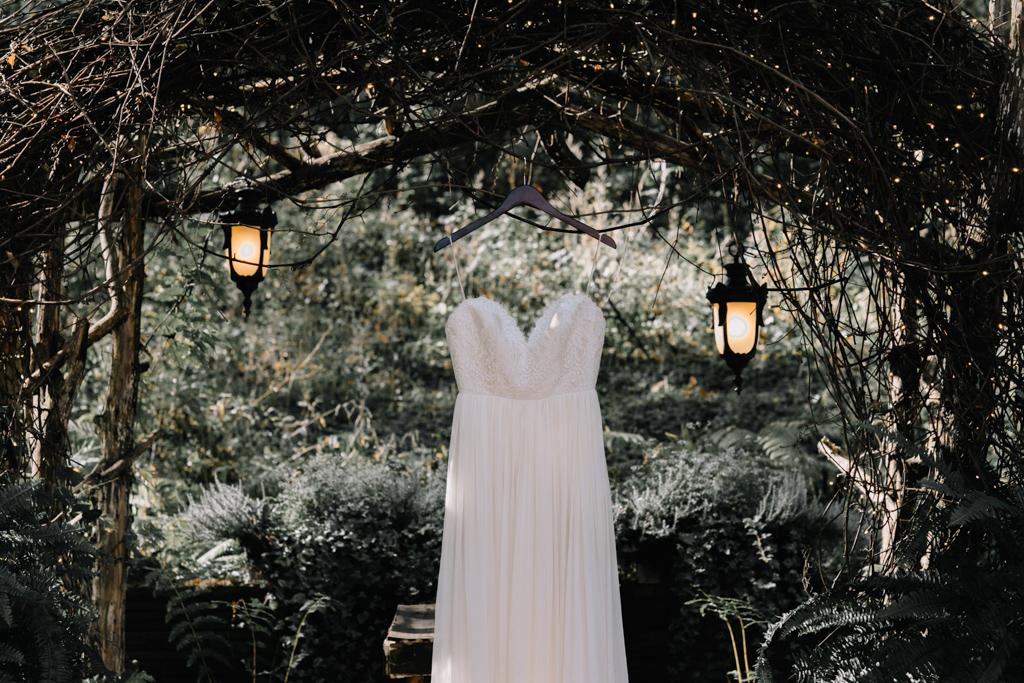 outdoor-wedding-minnesota-acowsay-cinema-7.jpg
