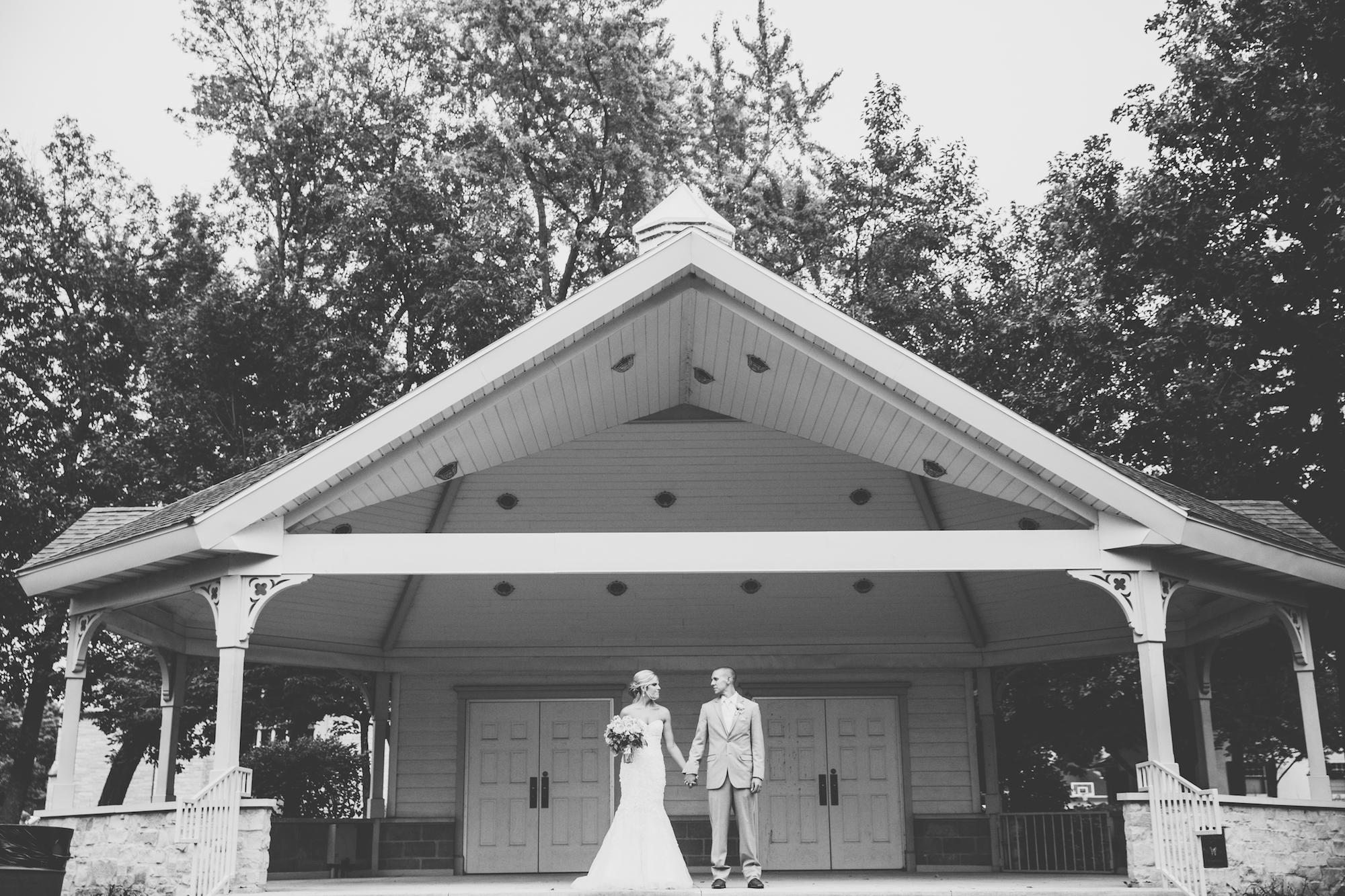 acowsay-cinema-minneapolis-wedding-21.jpg