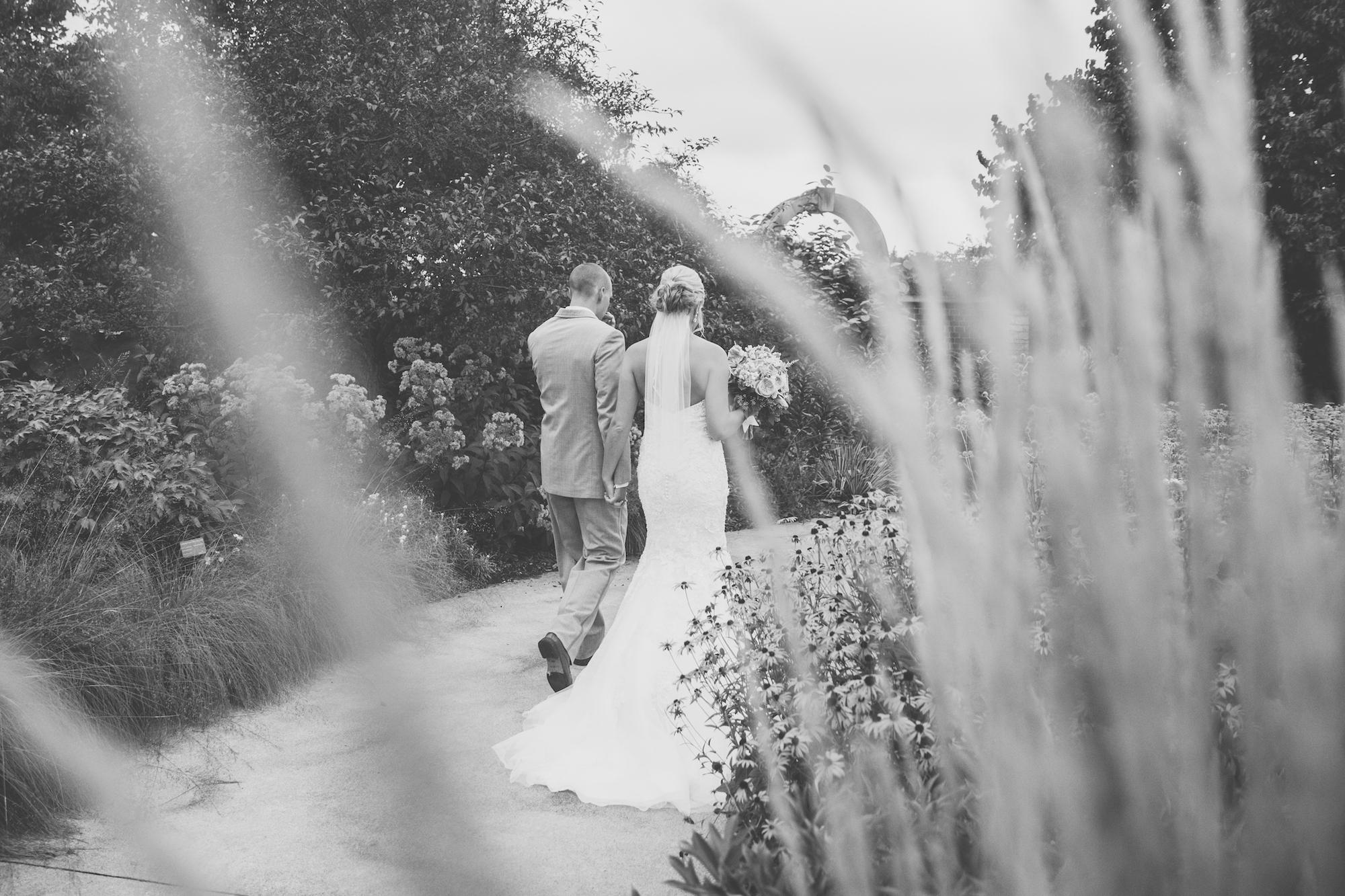 acowsay-cinema-minneapolis-wedding-23.jpg