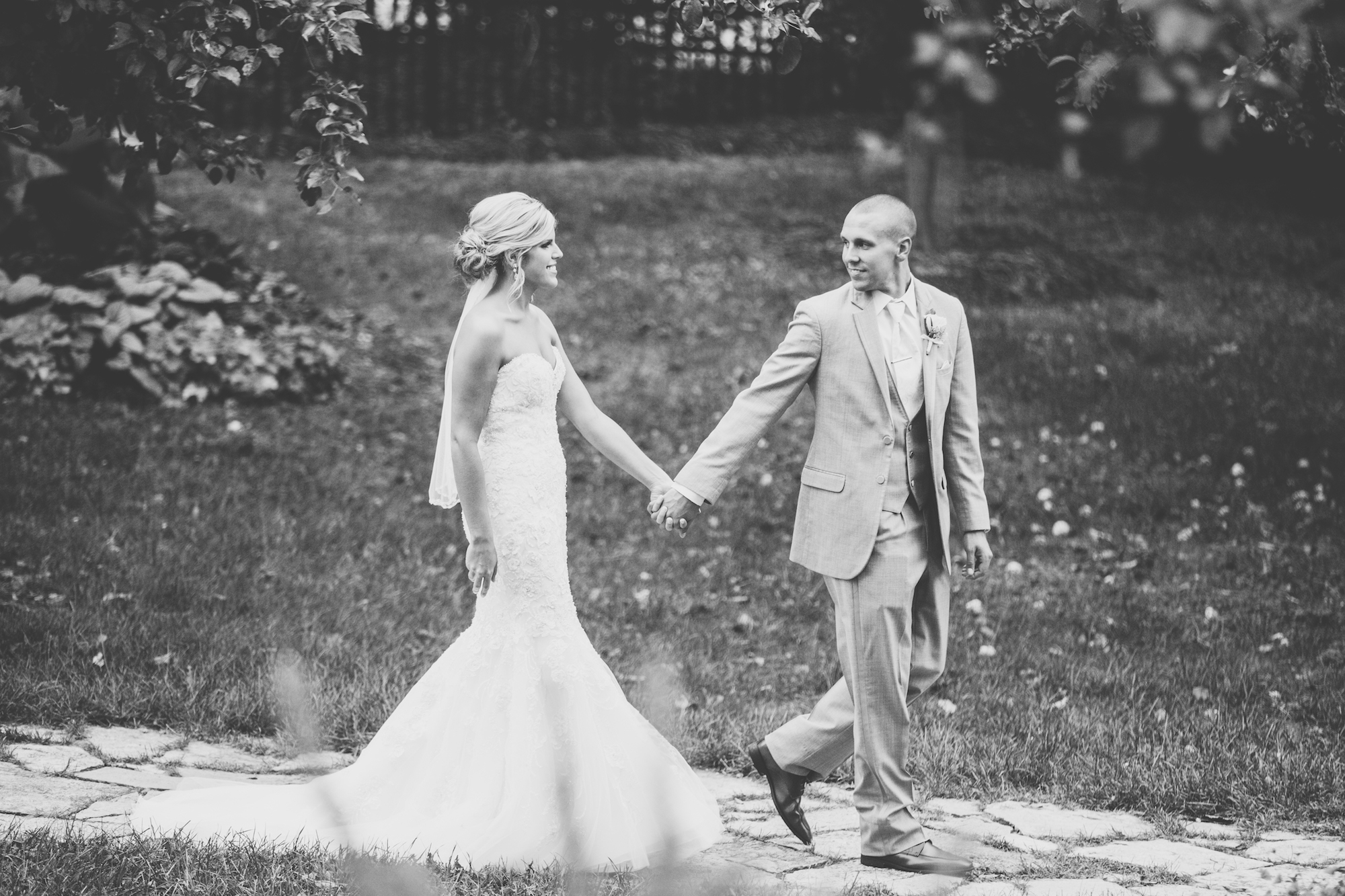 acowsay-cinema-minneapolis-wedding-25.jpg