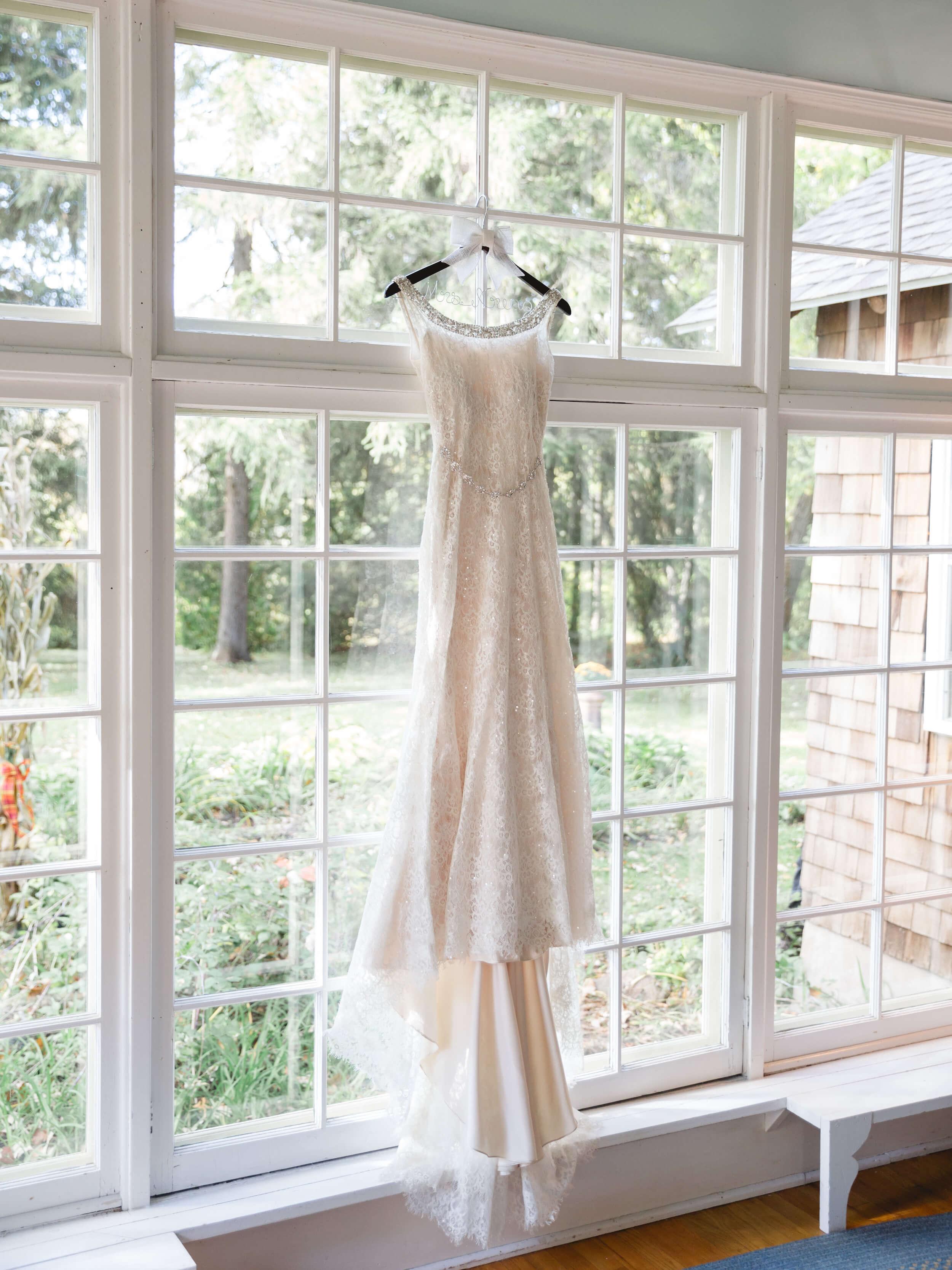rochelle-louise-photography-acowsay-cinema-wisconsin-wedding-9.jpg