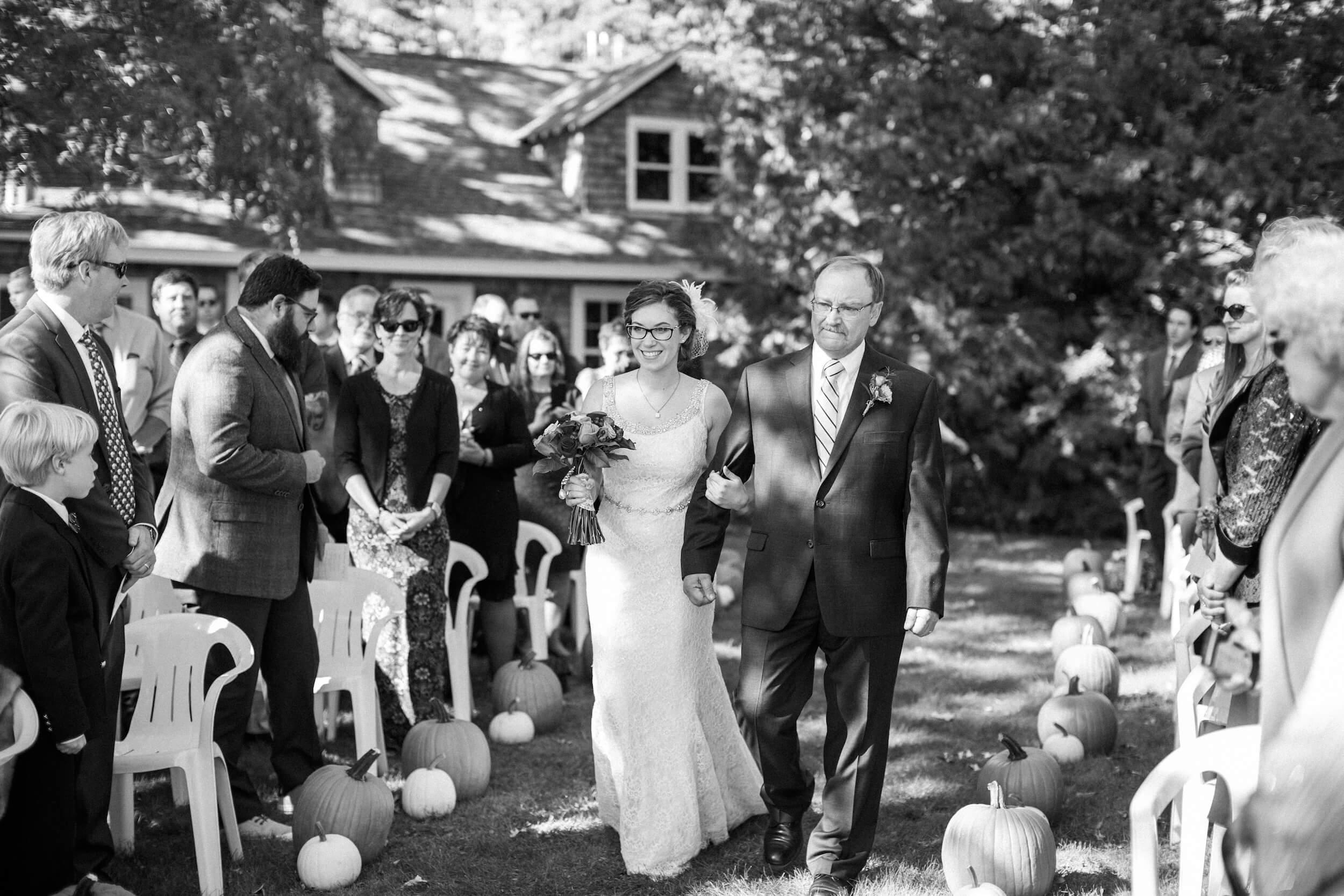 rochelle-louise-photography-acowsay-cinema-wisconsin-wedding-45.jpg
