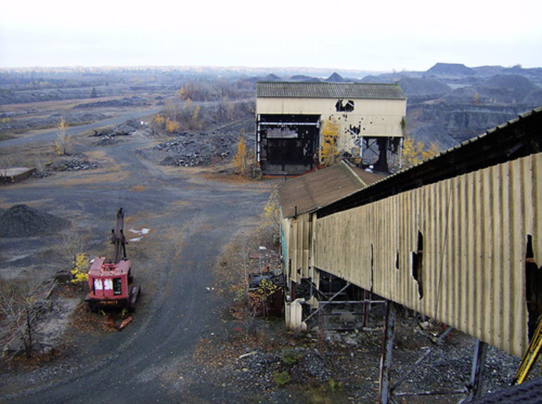 Marmoraton mine buildings abandoned