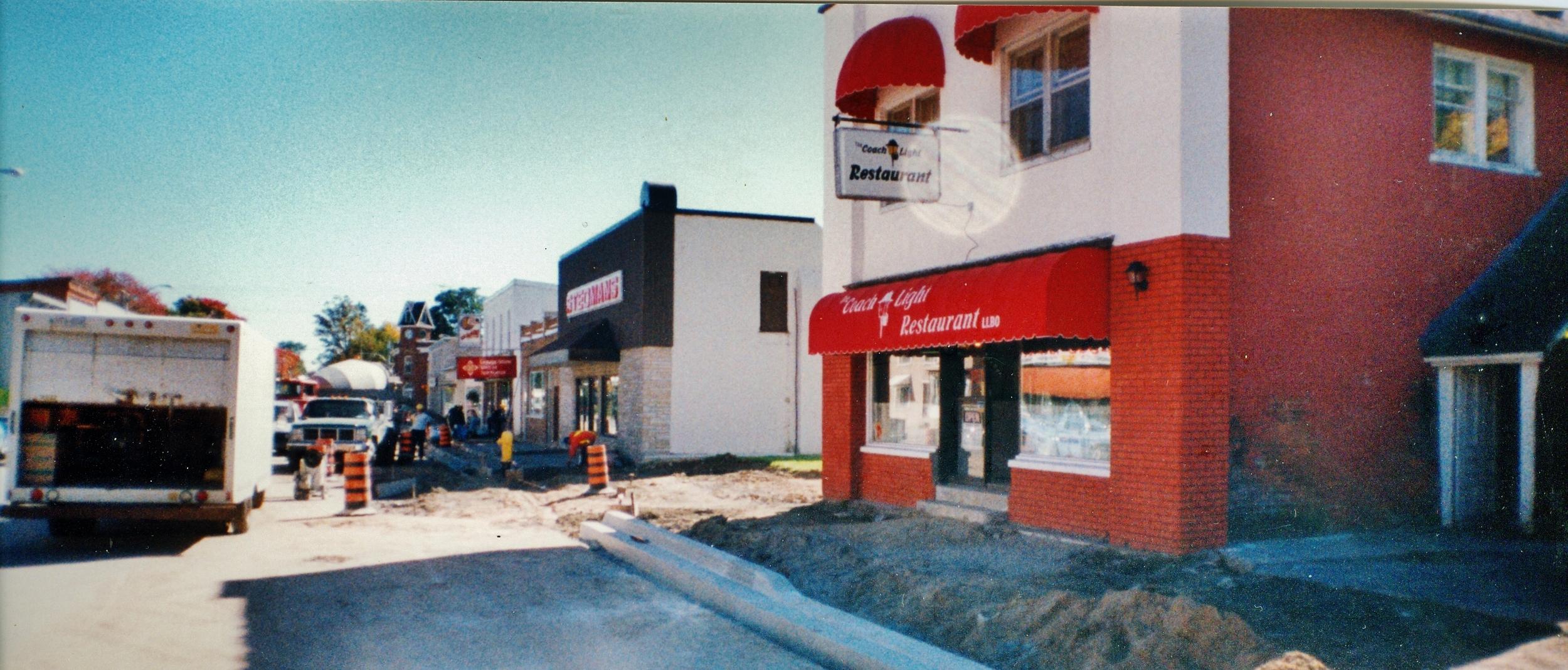 1995 - The Coachlight Restaurant