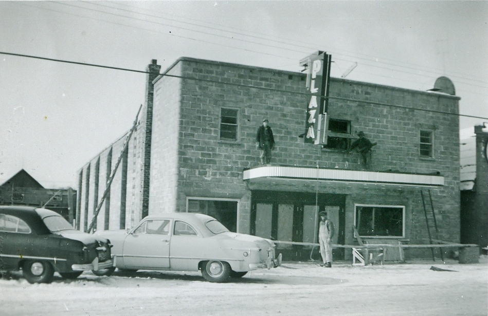 Building the Plaza Theatre, 1950