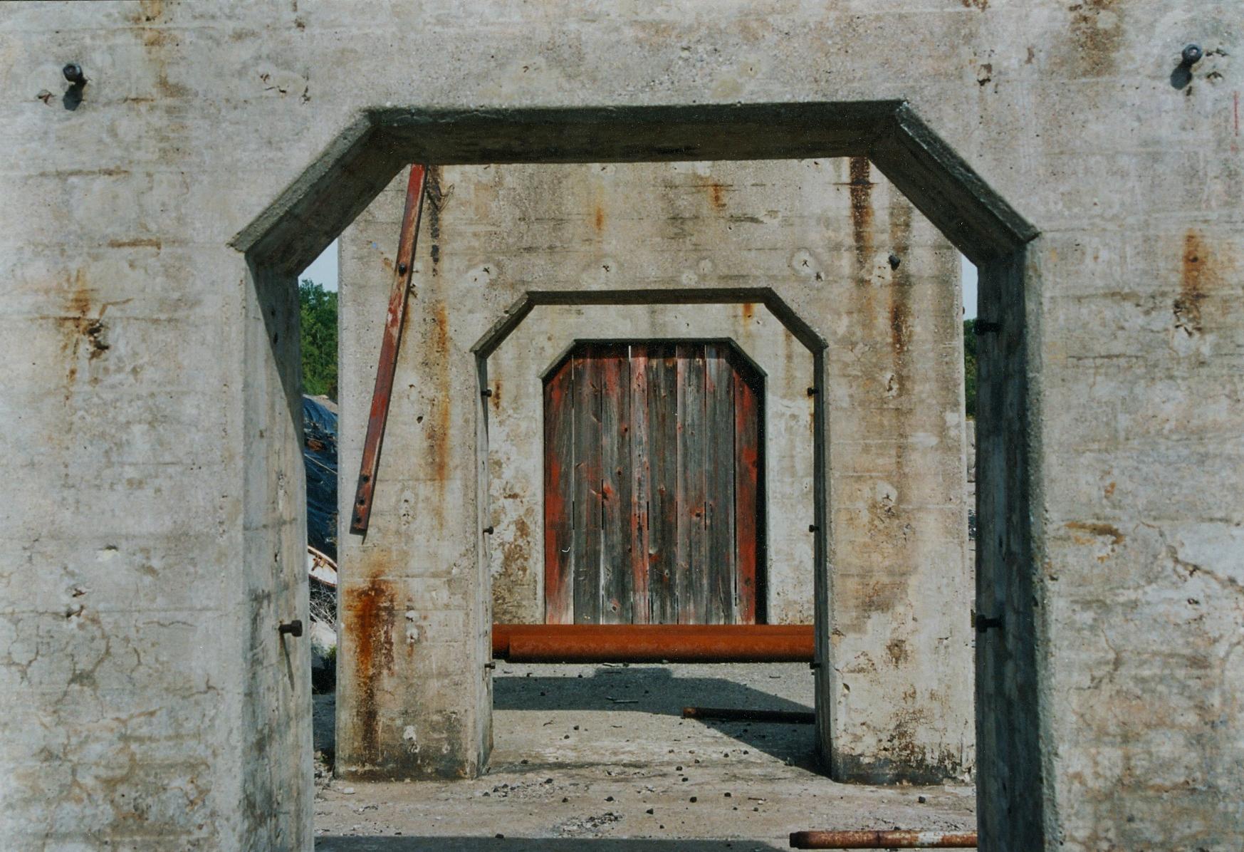 1990 abandonned elevated track