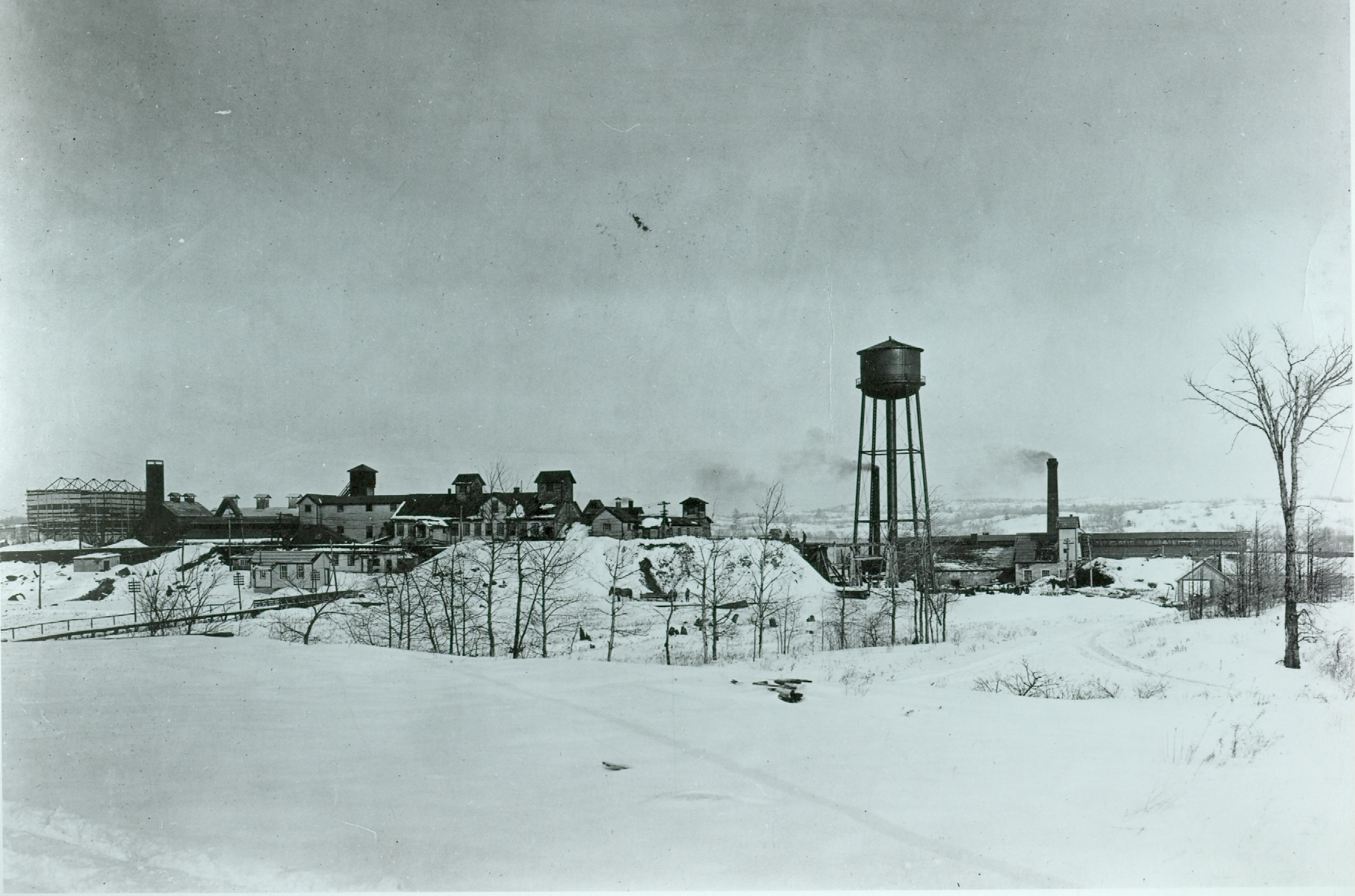 1920 Deloro Smelting and refining Co. looking east.  Building with cupolas is silver plant.  Cobalt oxide behind water tower.jpg