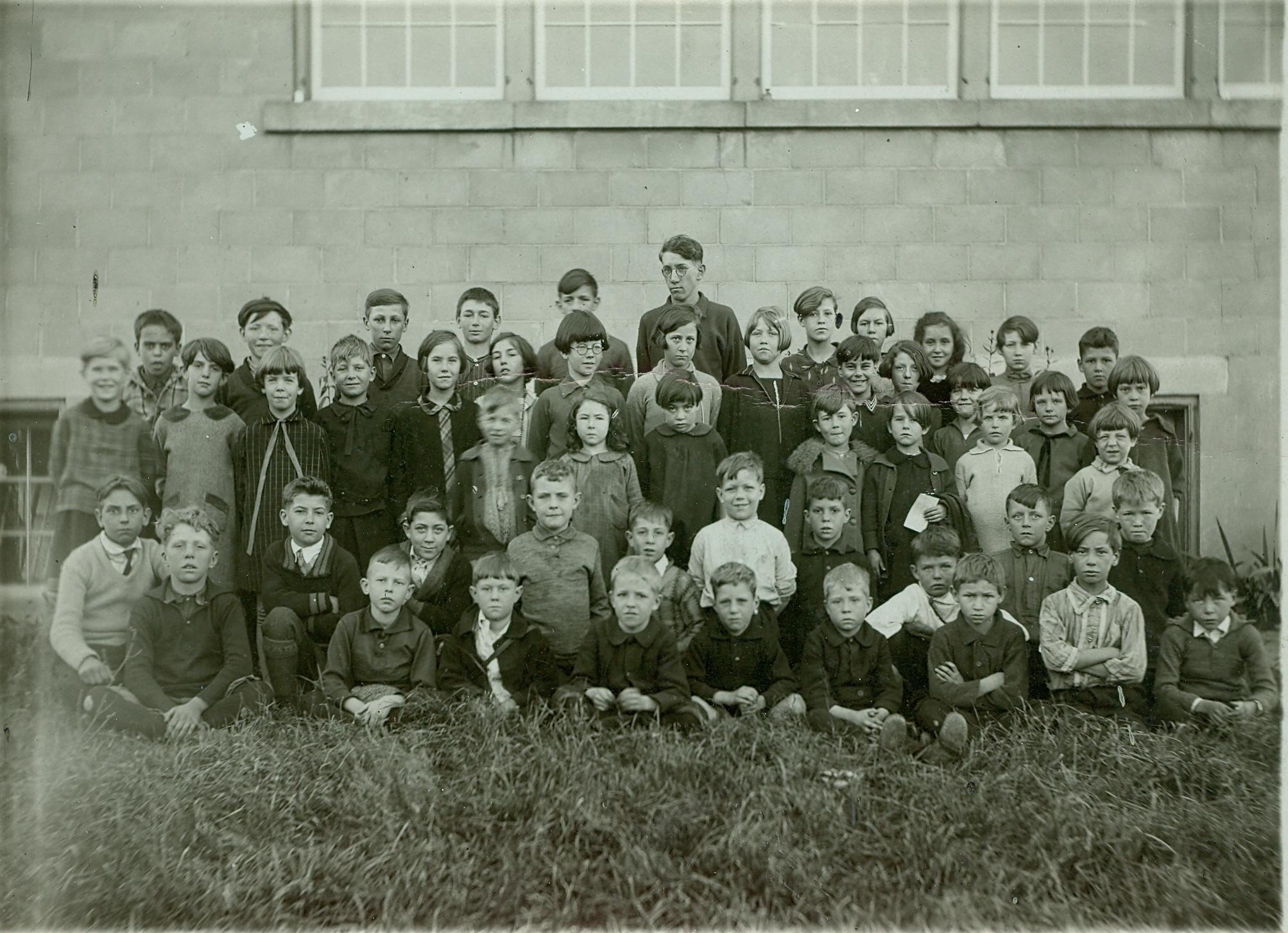 Deloro Public School c1917