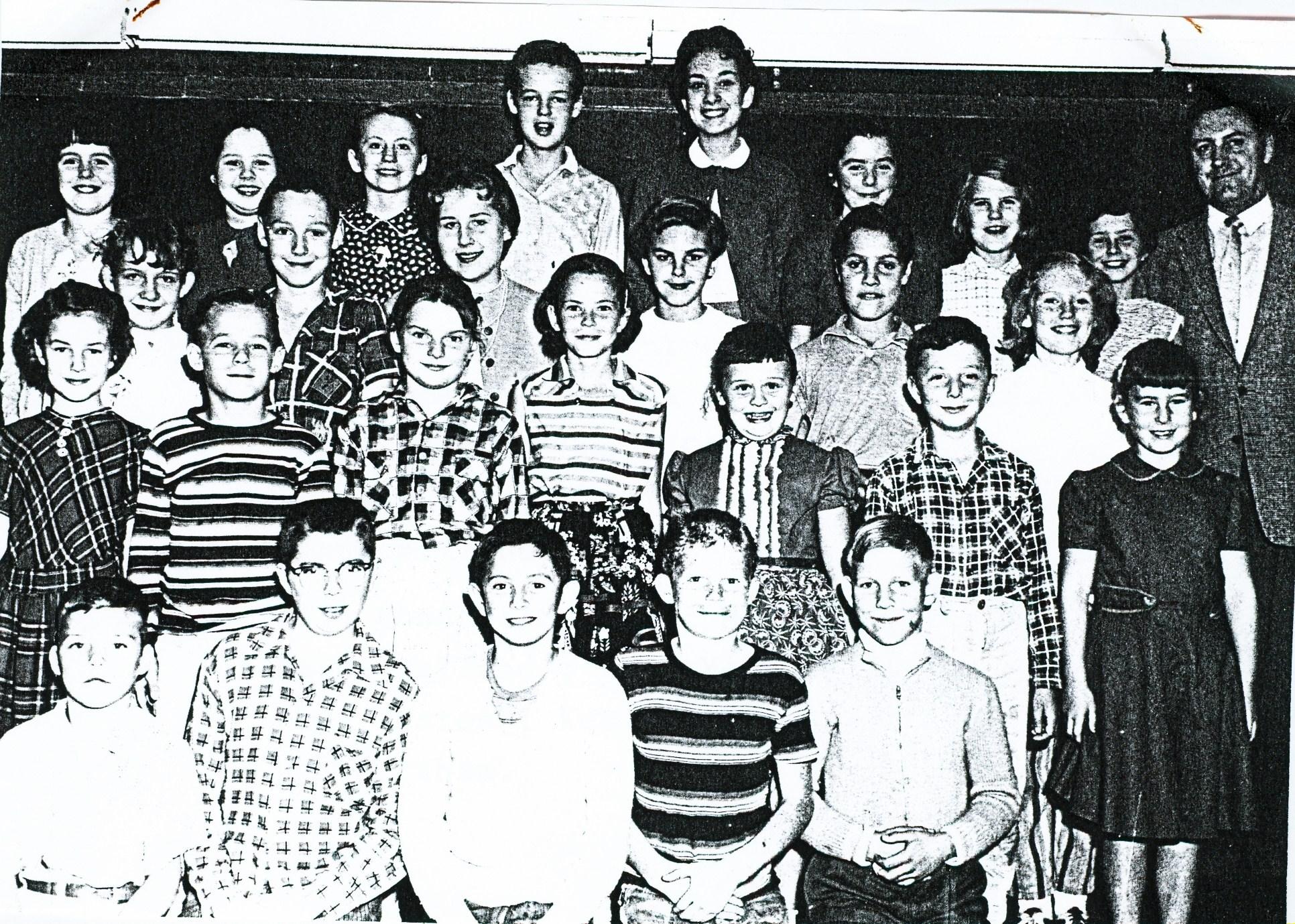 Deloro Public School,  1957 Grades 5 to 8
