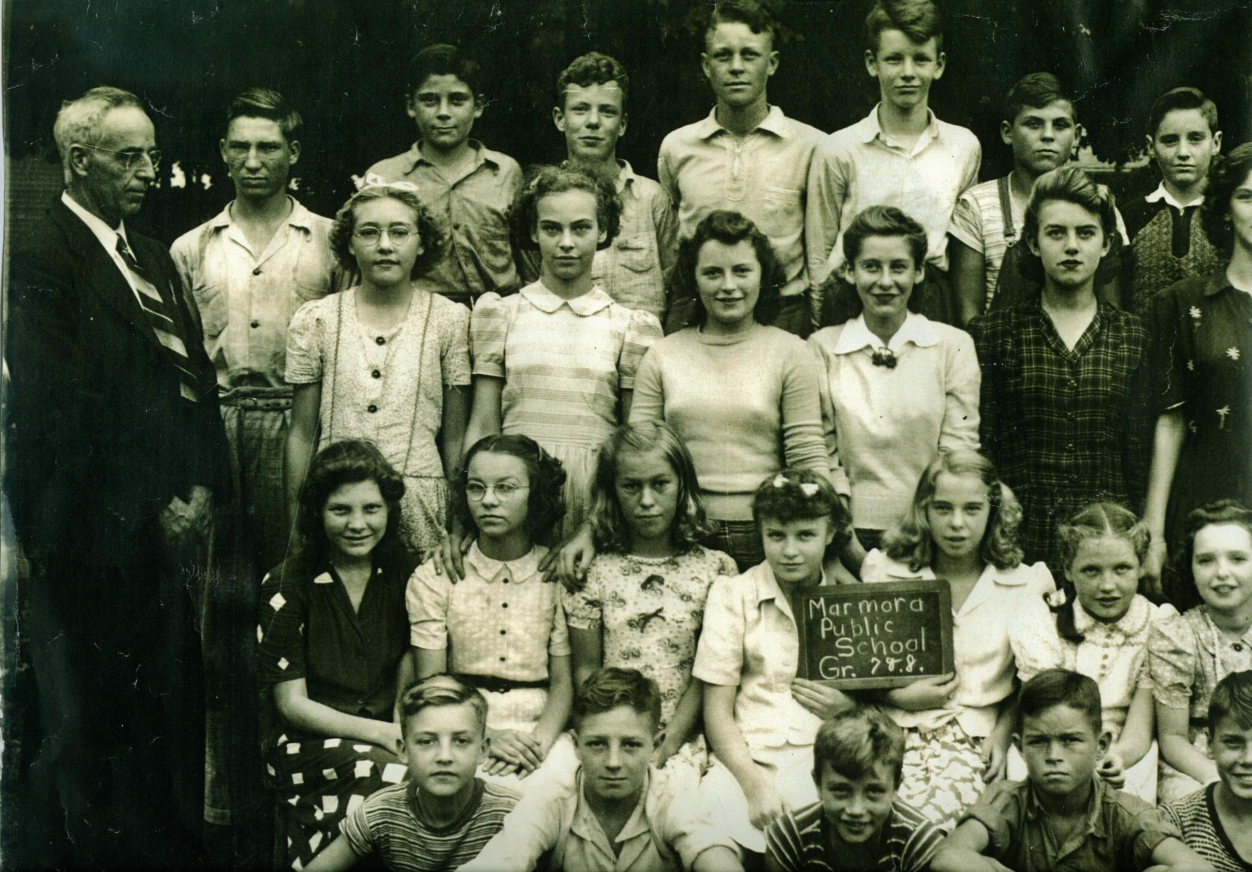Marmora Public School 1944 Grade 7 & 8 (Left side).jpg