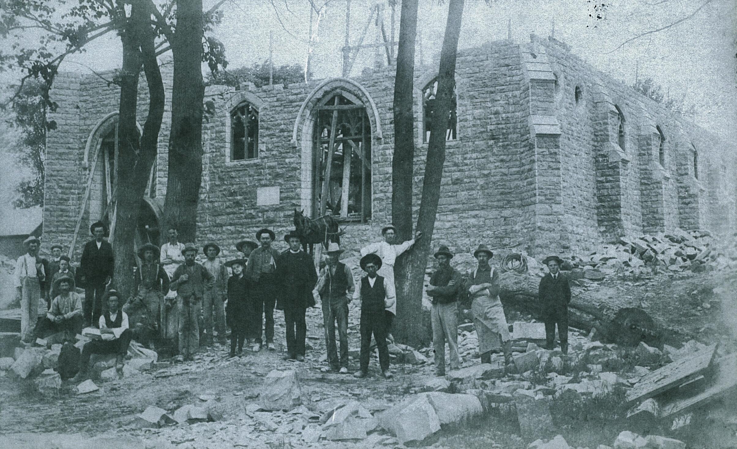 1904 Building the stone church