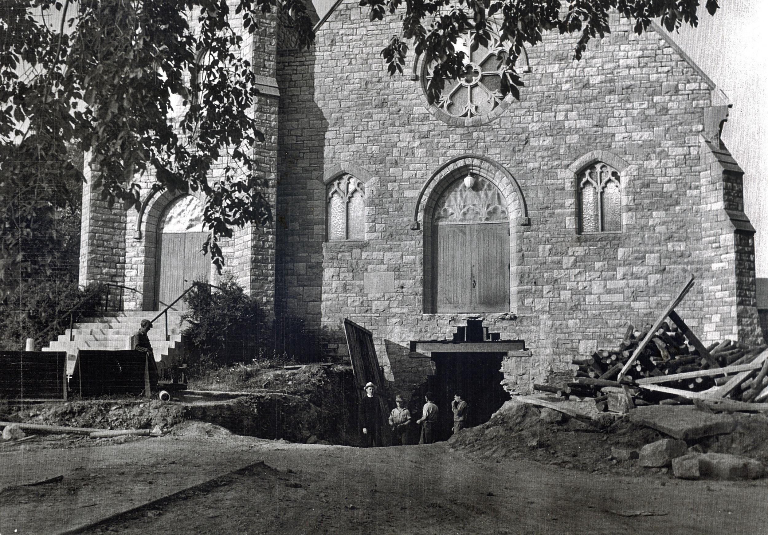 1950 Digging parish hall