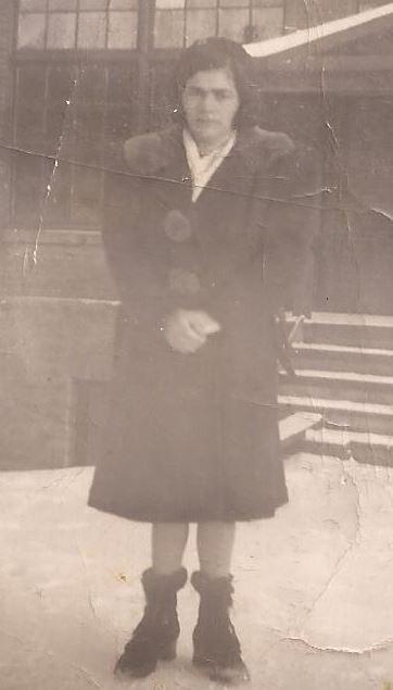 Mae Hynes Neal Tedman (oldest daughter of Myrtle (Emigh) Hynes).