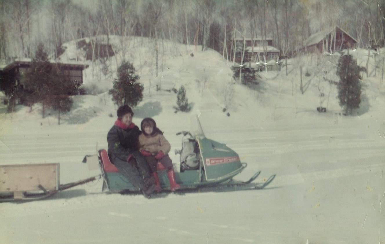 1971 Robena Ellis and Lori Zapletal